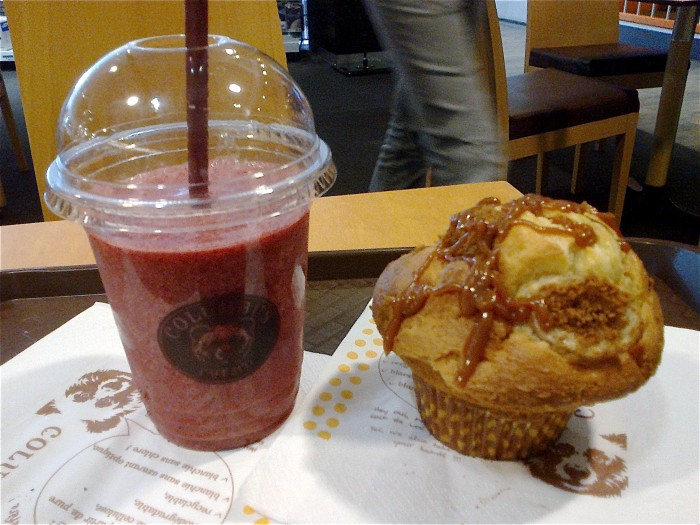 Smoothie Raspeberry Heaven et Muffin Banoffee (un de mes préférés avec le muffin Gourmand)