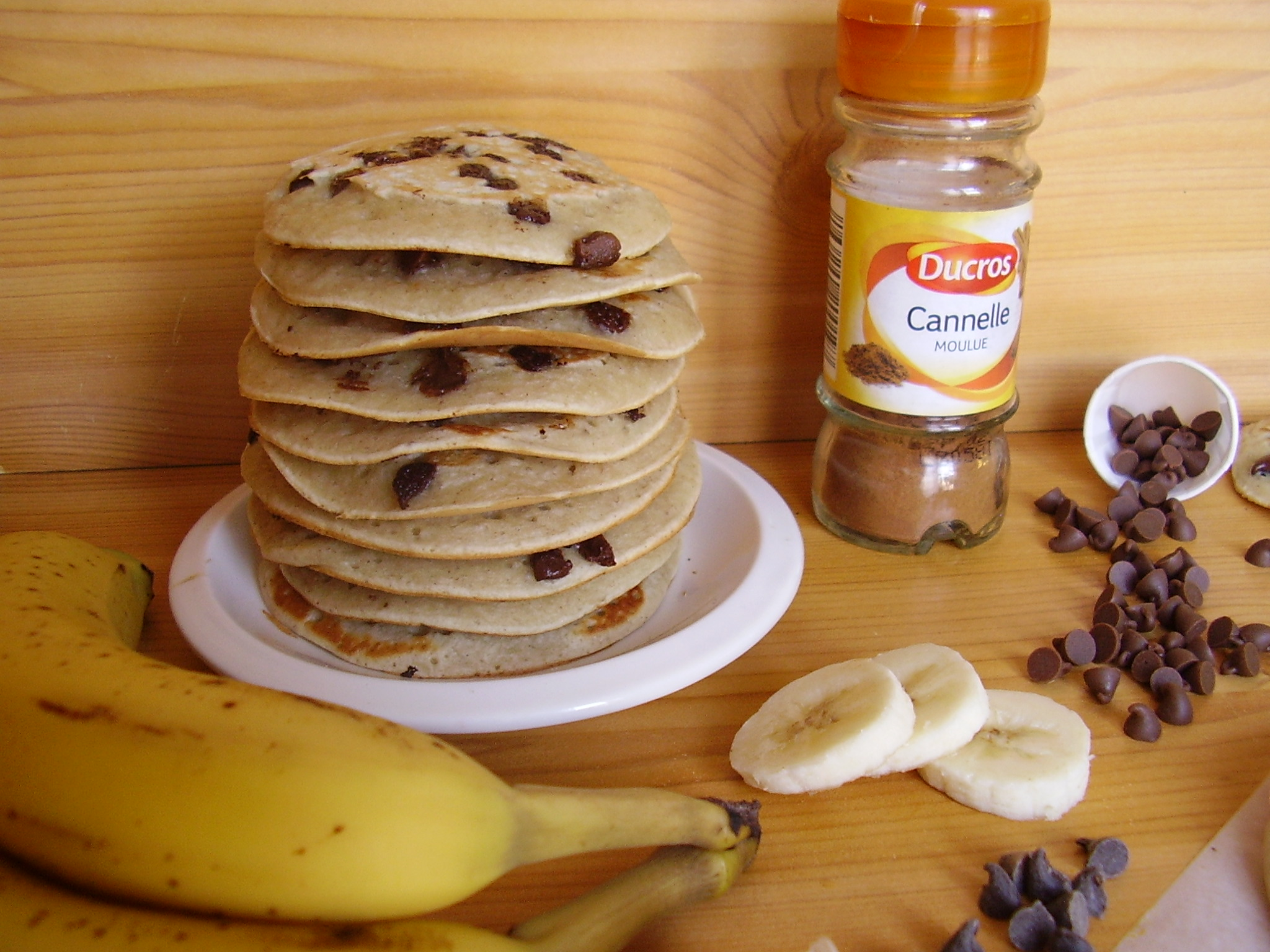 pancakes banane p pites de chocolat toque de choc. Black Bedroom Furniture Sets. Home Design Ideas