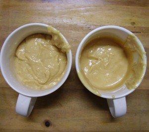 à gauche le glaçage grumeleux et à droite le mixé
