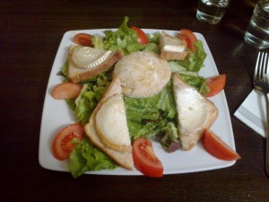 Salade de chèvre et de cabécou