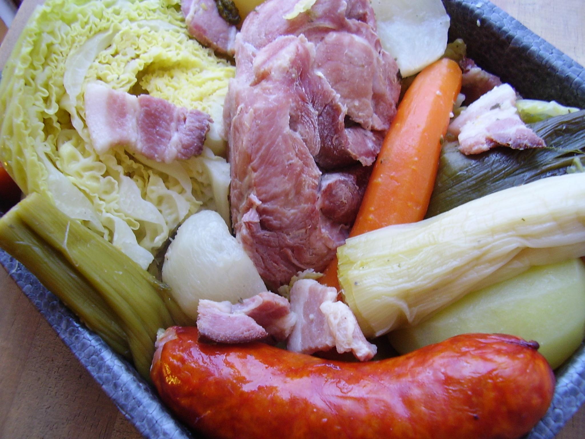 Pot e au chou pot e auvergnate dans la cuisine d 39 audinette - Cuisiner un jambonneau ...