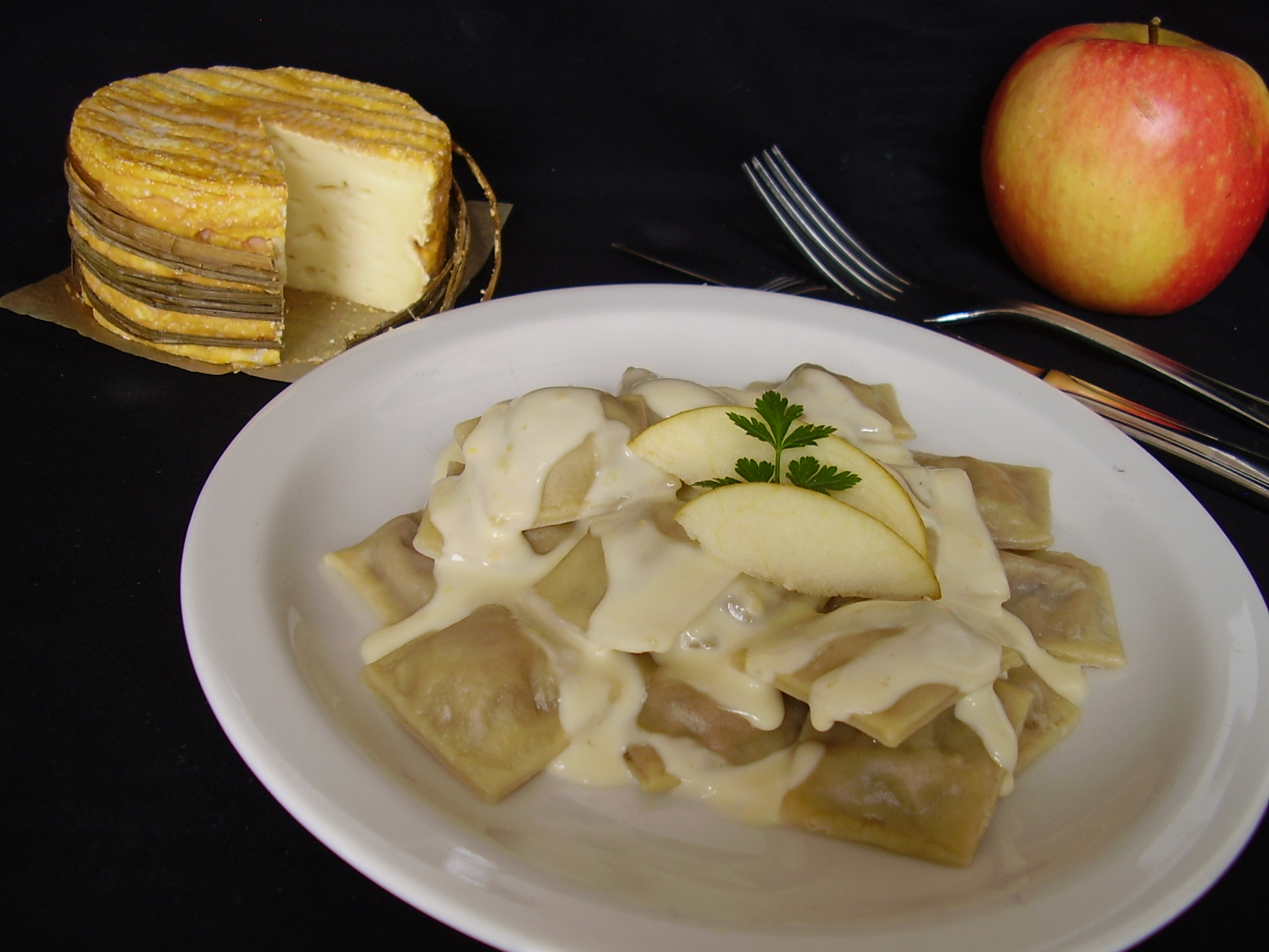 Raviolis à l'andouille de Vire et sauce au livarot