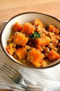 Mijoté de potiron aux pois chiches et abricots secs par Une aiguille dans l'potage
