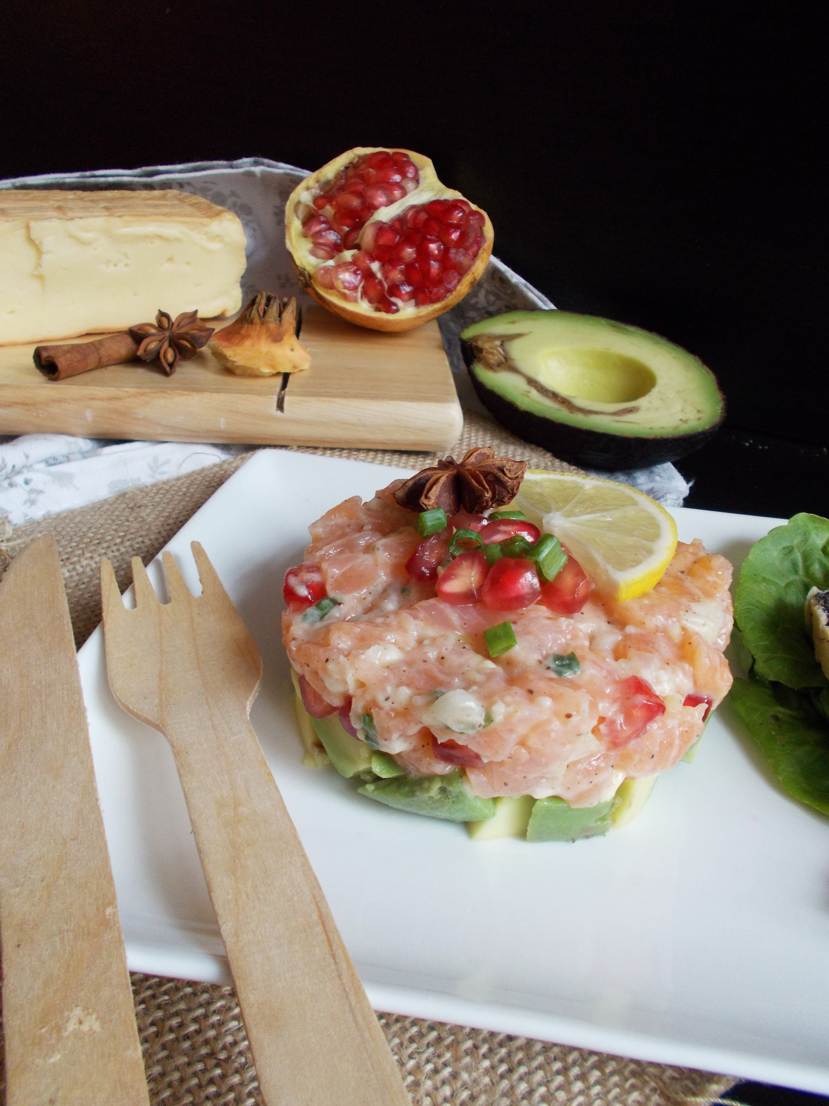Tartare de saumon au Maroilles et 4 épices