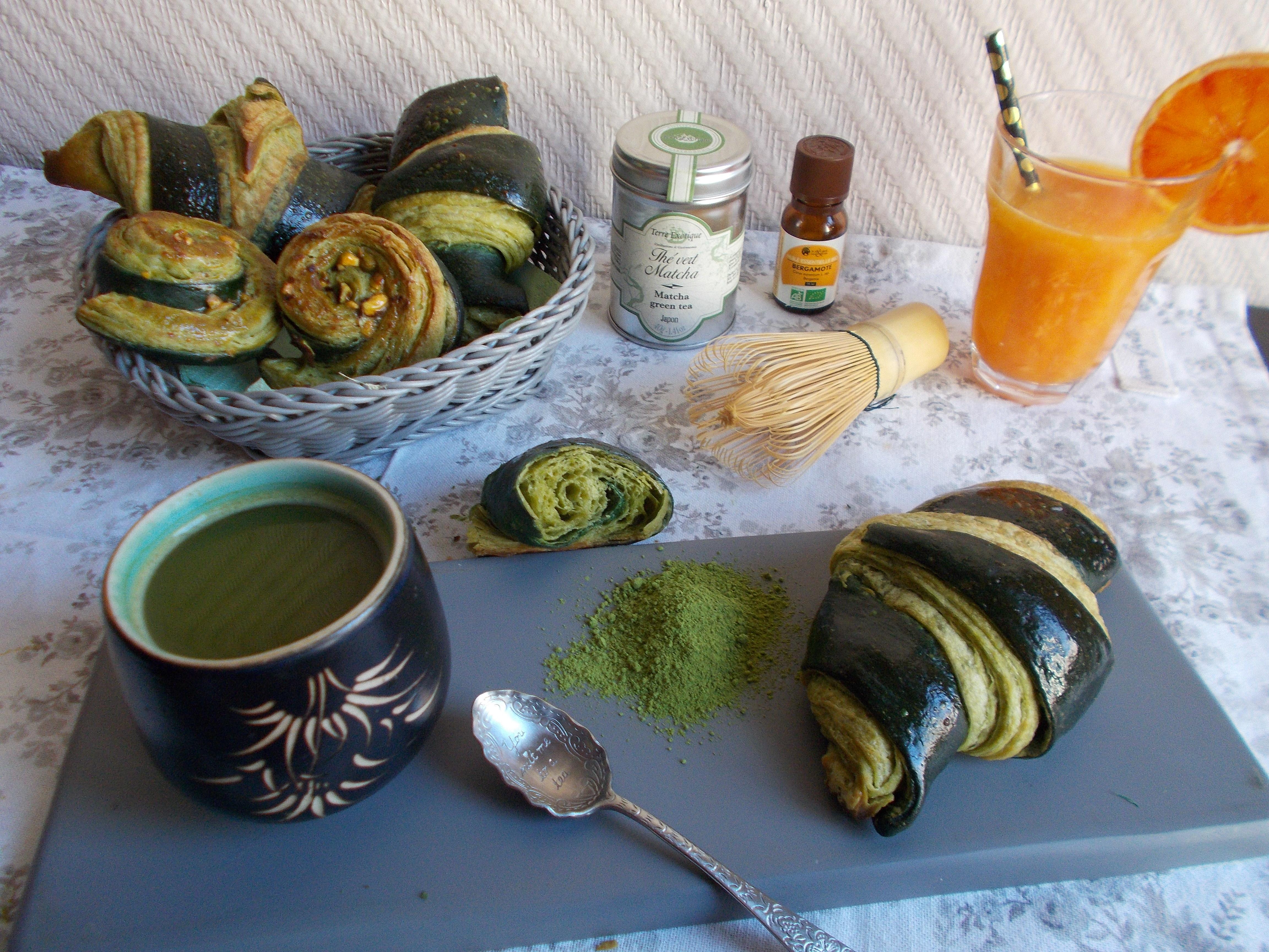Croissants bicolores à la bergamote et thé matcha