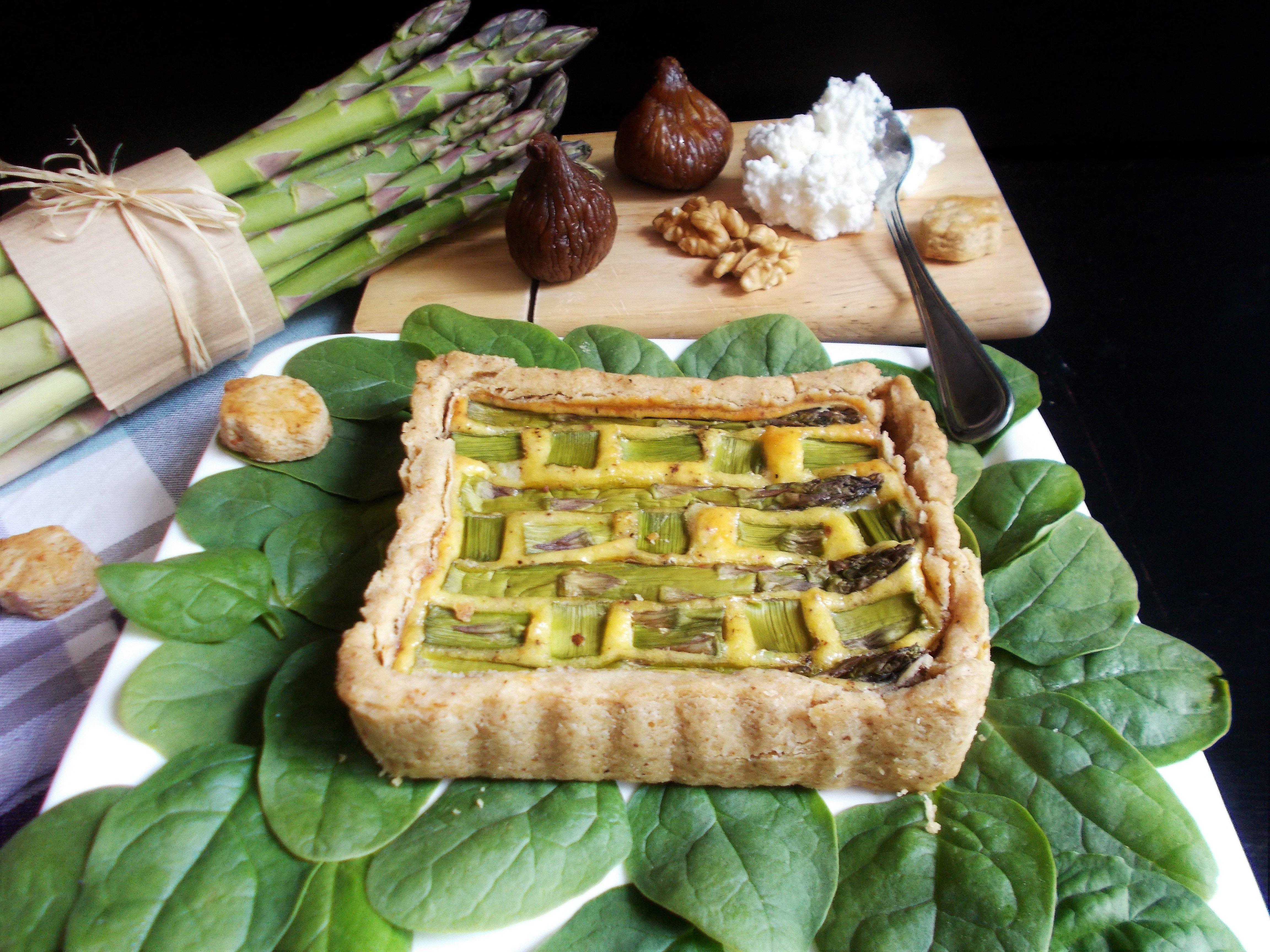 Quiche aux asperges, figues et broccio