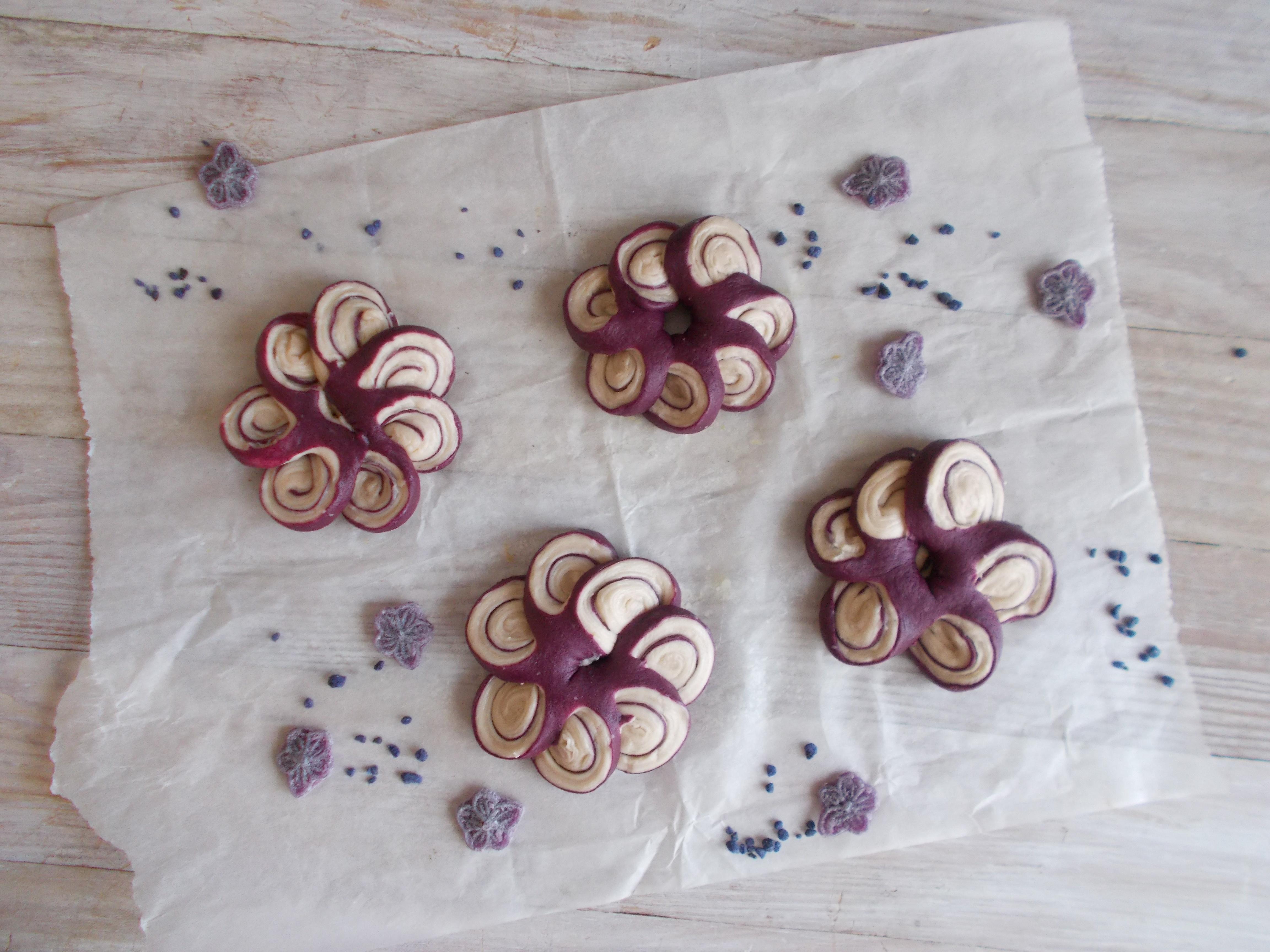 Fleur de violette (viennoiserie)