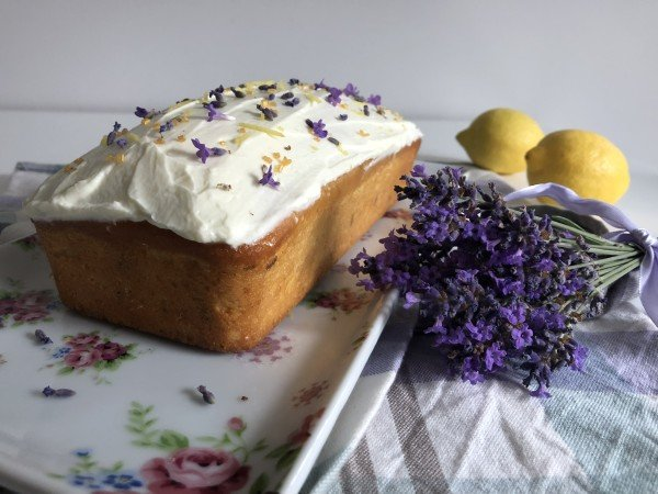 Cake citron-lavande