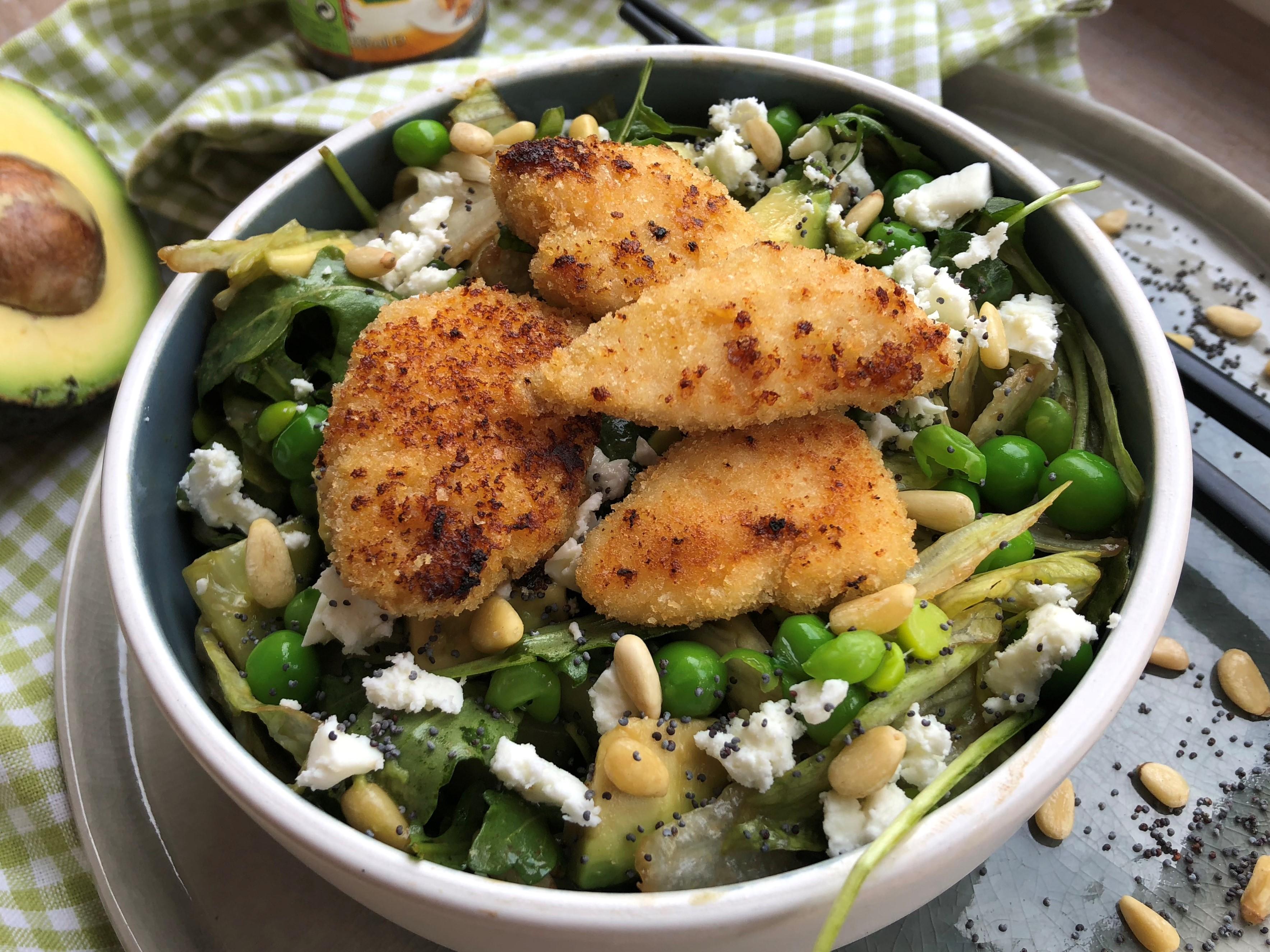 Salade verte au poulet croustillant