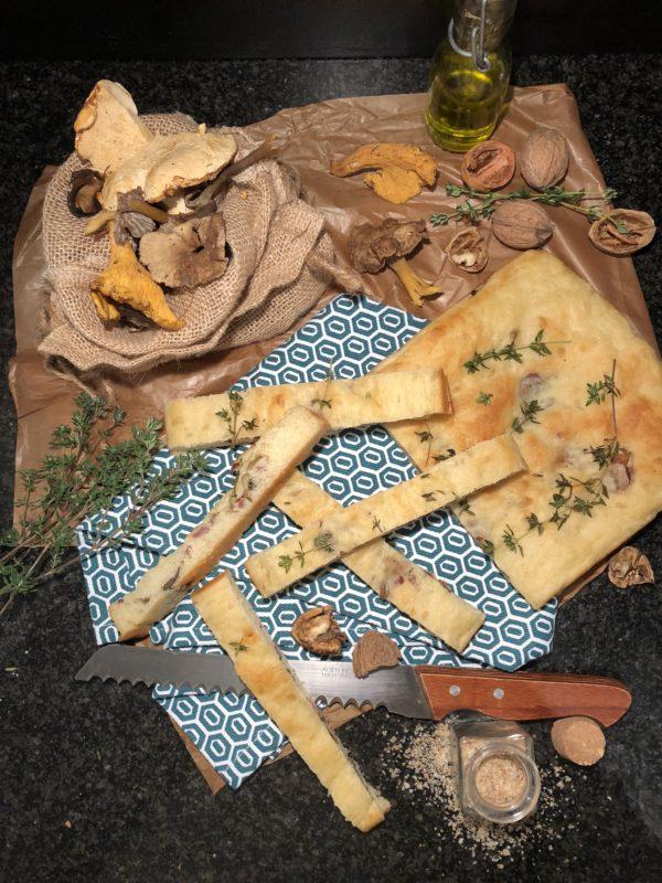 Fougasse champignons & lardons au thym frais