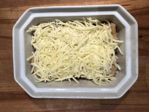 Enfournez pour 10 à 15 min, juste le temps pour le fromage de gratiner. Servez bien chaud.