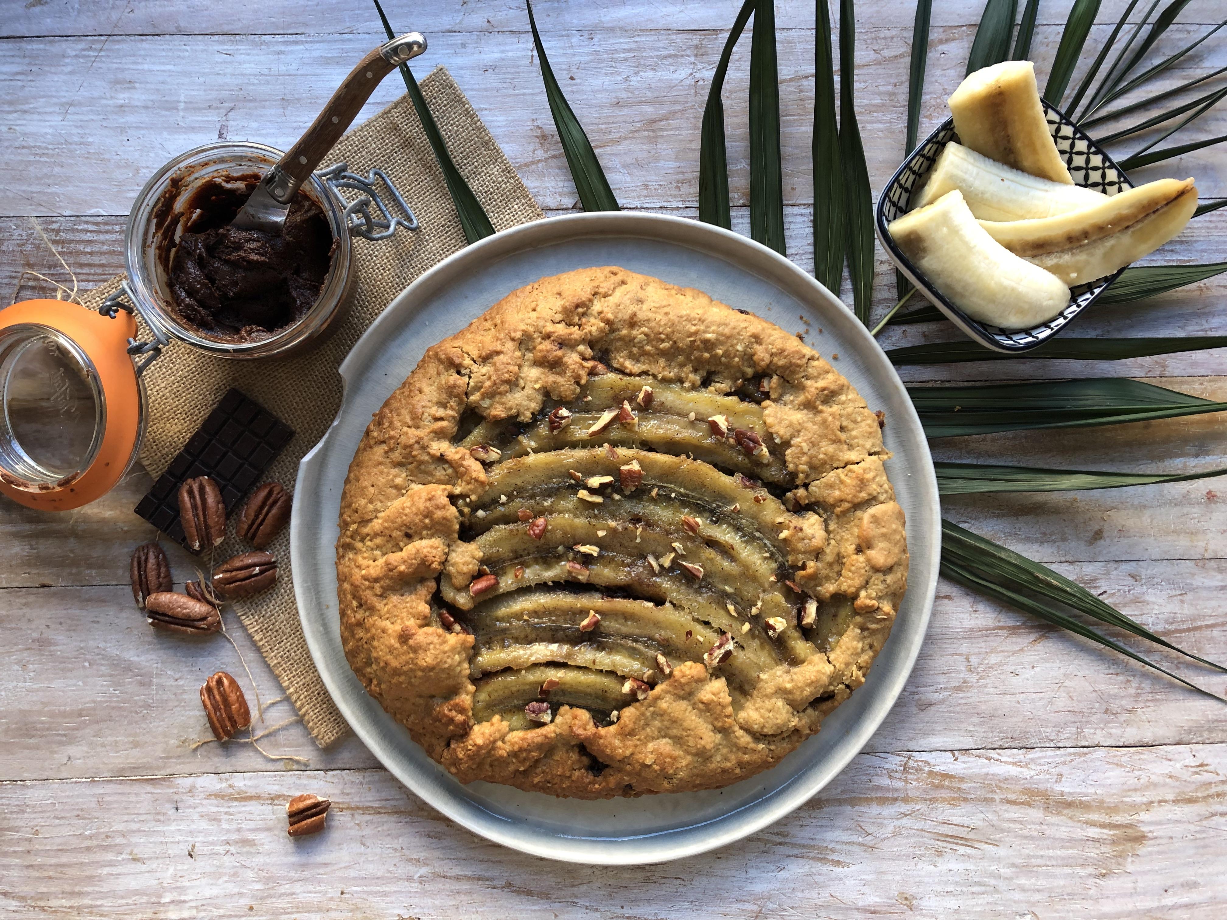 Tarte rustique banane, chocolat et praliné pécan