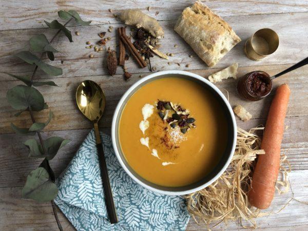 Soupe tandoori aux carottes et lait de coco