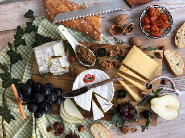 Plateau de fromages #1 : camembert, Etivaz et Valençay