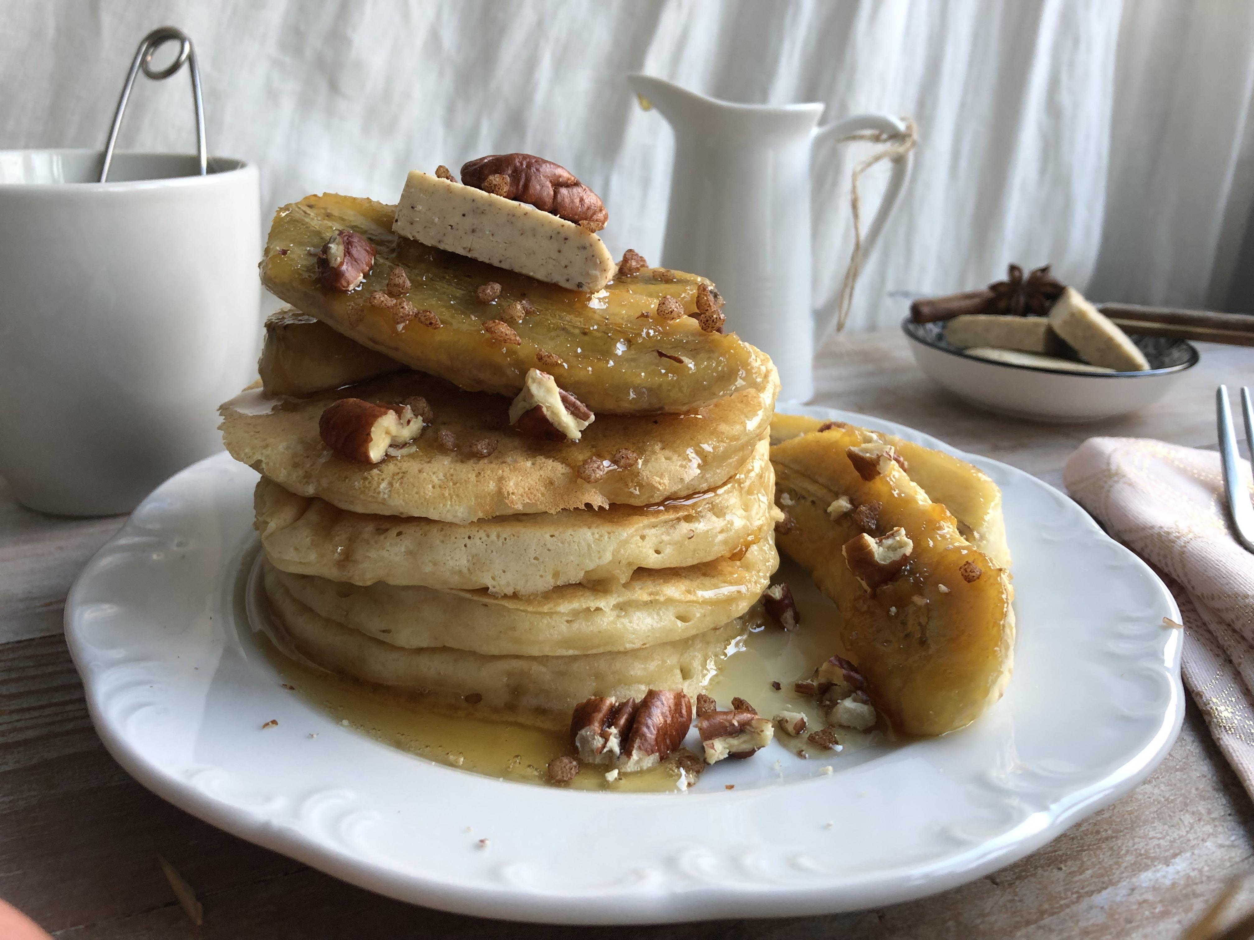 Pancakes aux bananes caramélisées