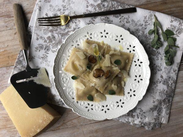 Raviolis artichaut, truffe et parmesan