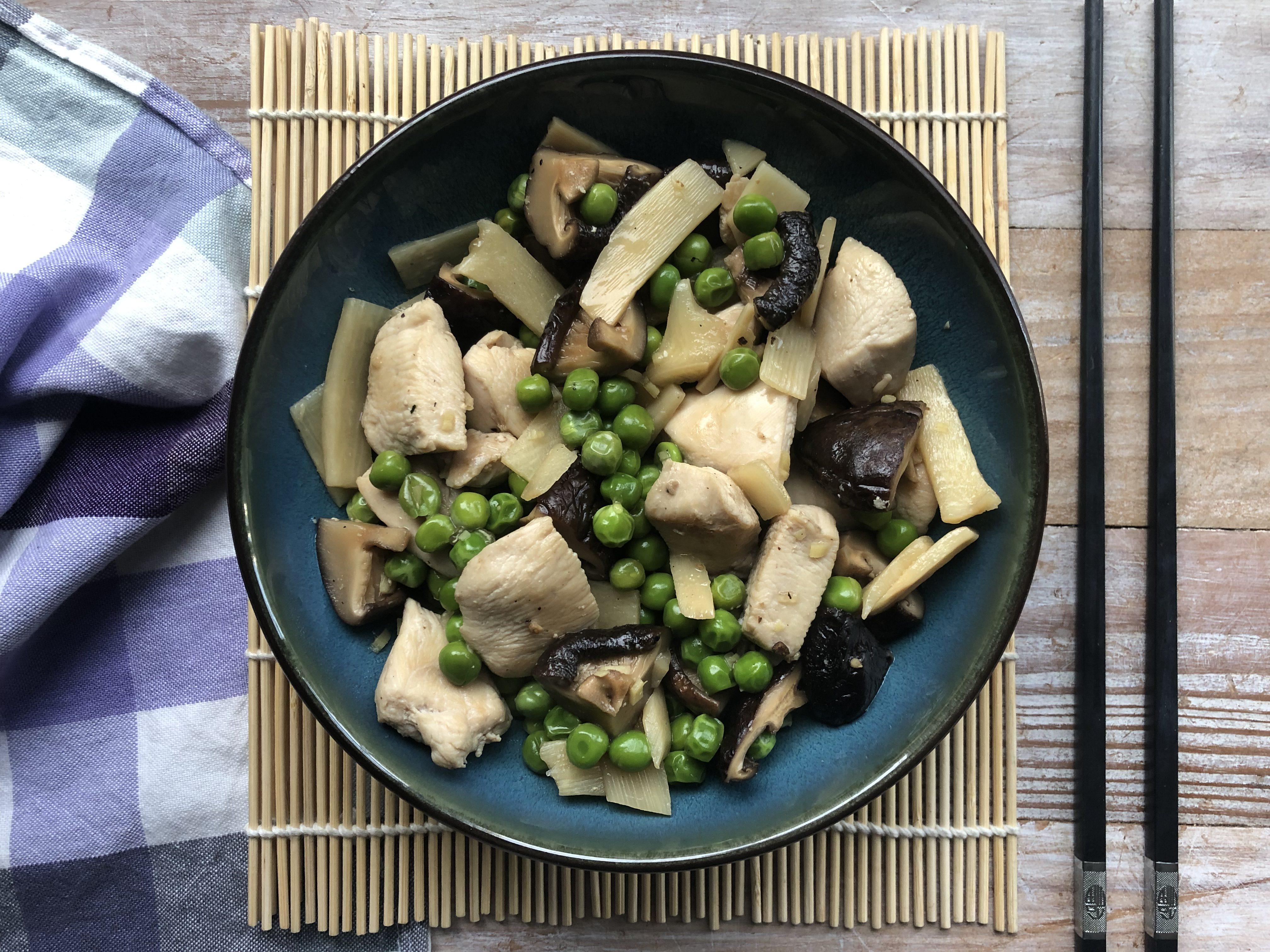 Poulet aux shiitake et petits pois