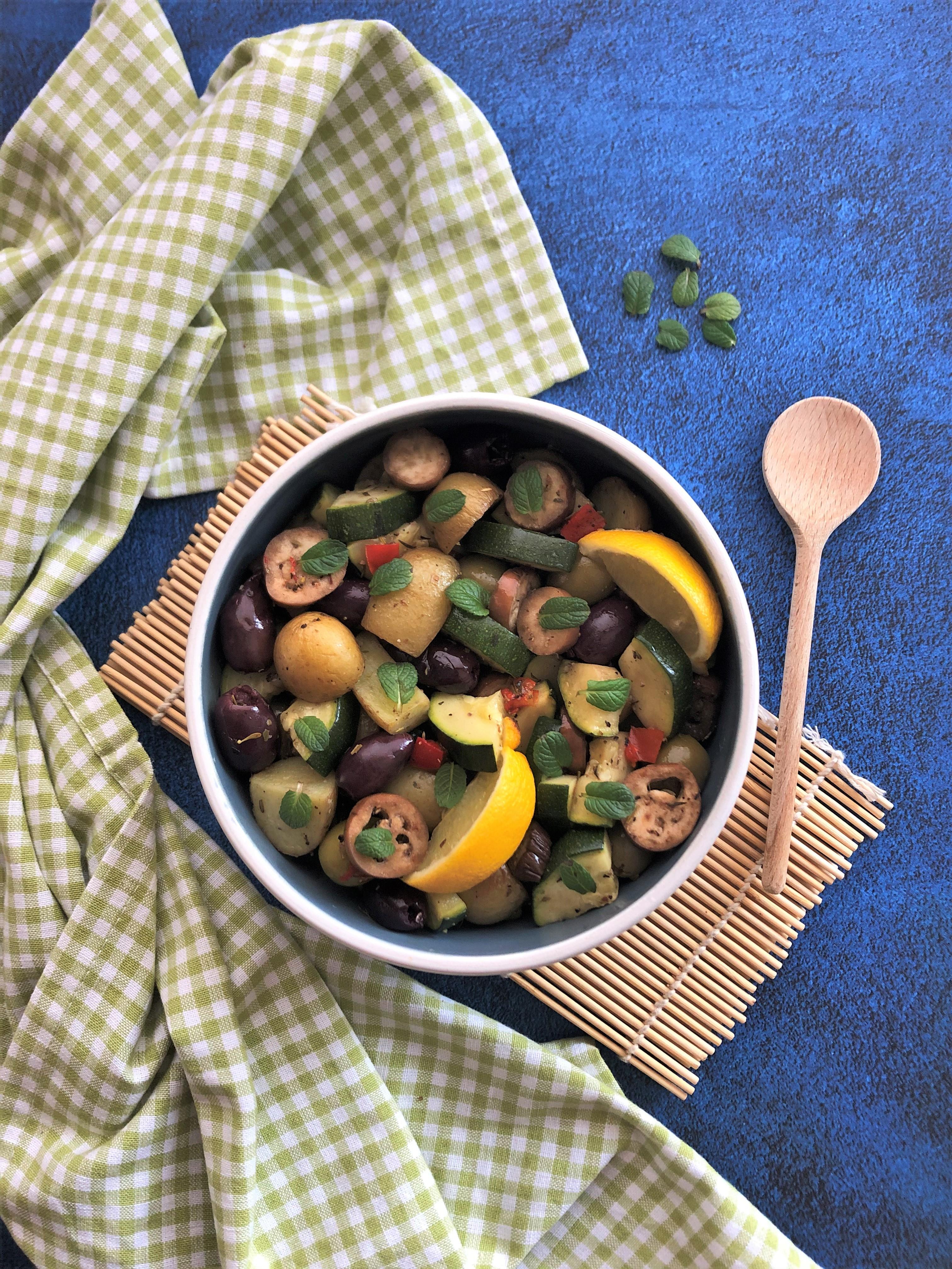 Poêlée de pommes de terre aux légumes du soleil et olives