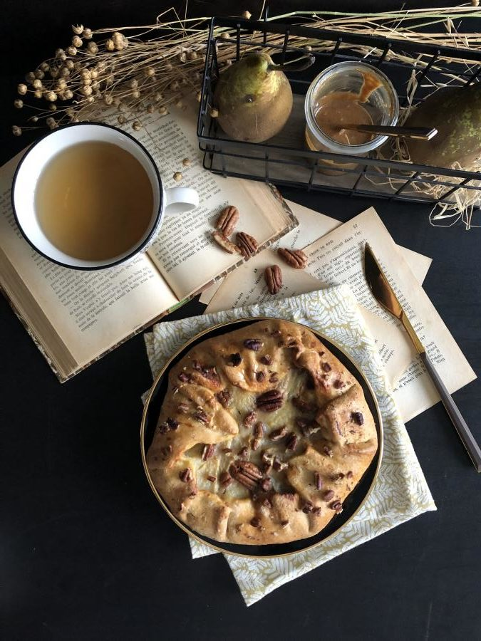 Tarte rustique aux poires et praliné pécan
