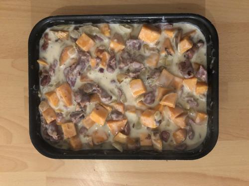 Versez sur la poêlée gésier-patate douce.