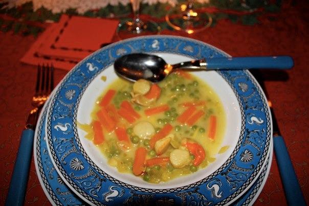 Nage de Saint-Jacques au safran et petits légumes [Menu de Noël 2010]