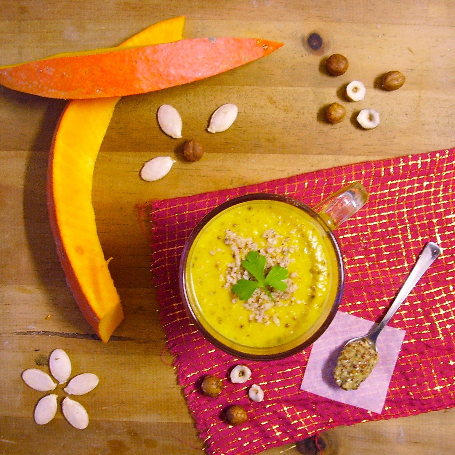 Soupe de butternut à la noisette et moutarde à l'ancienne