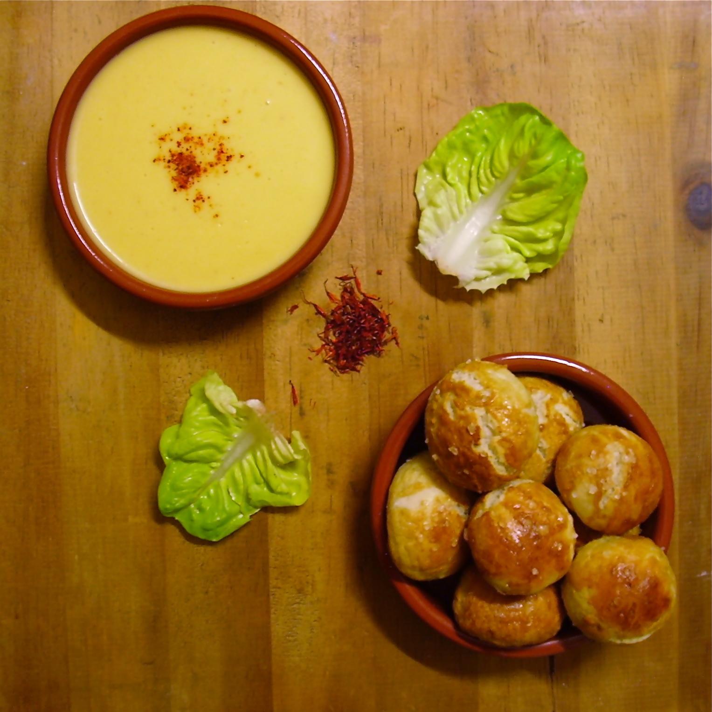 Bretzel balls et sauce cheddar