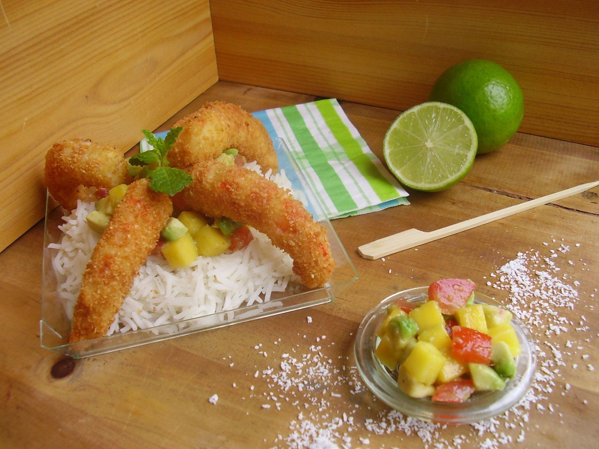Crevettes panées à la noix de coco et salsa mangue-avocat