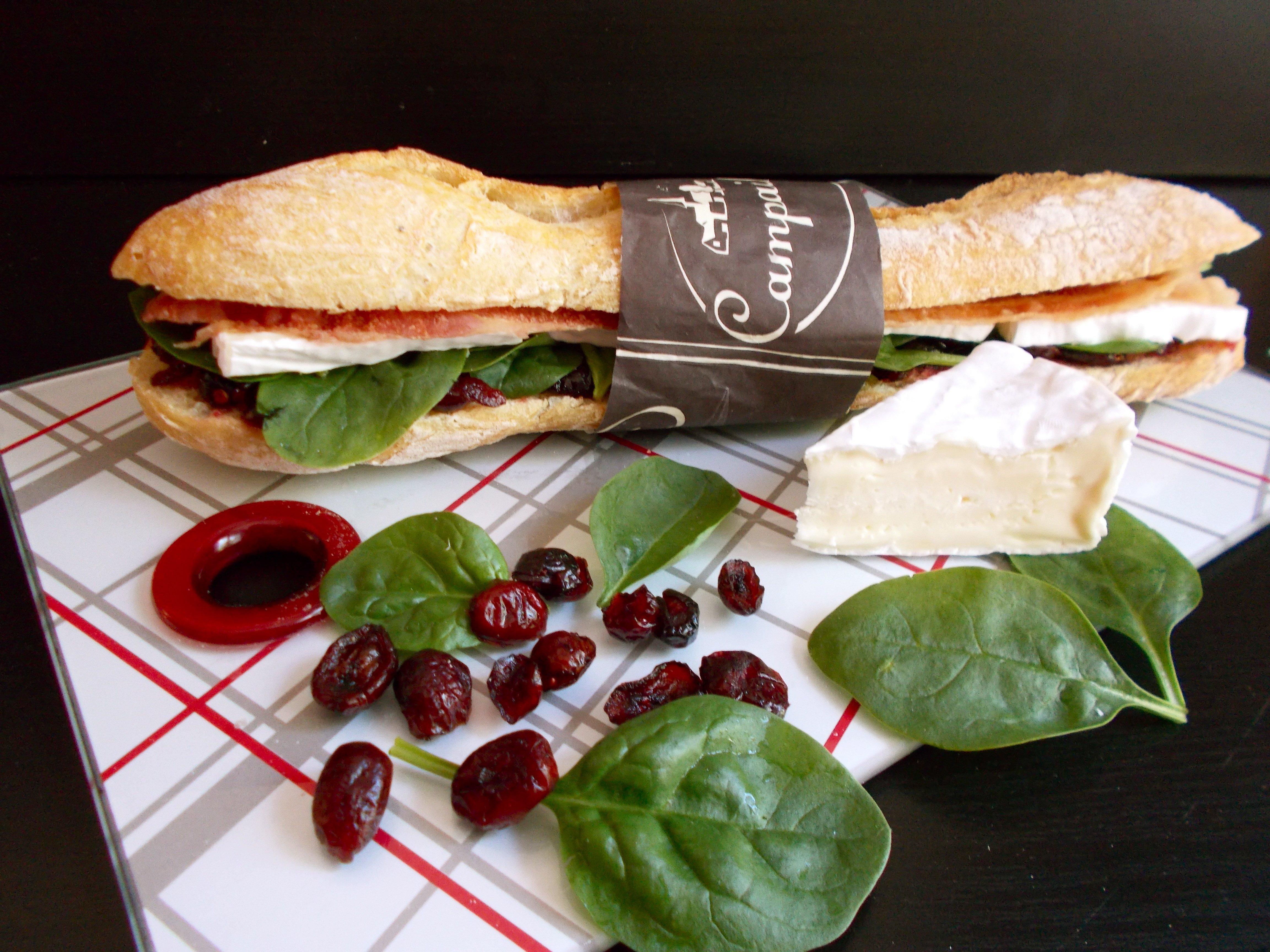 Sandwich BBC (bacon-brie-cranberries)