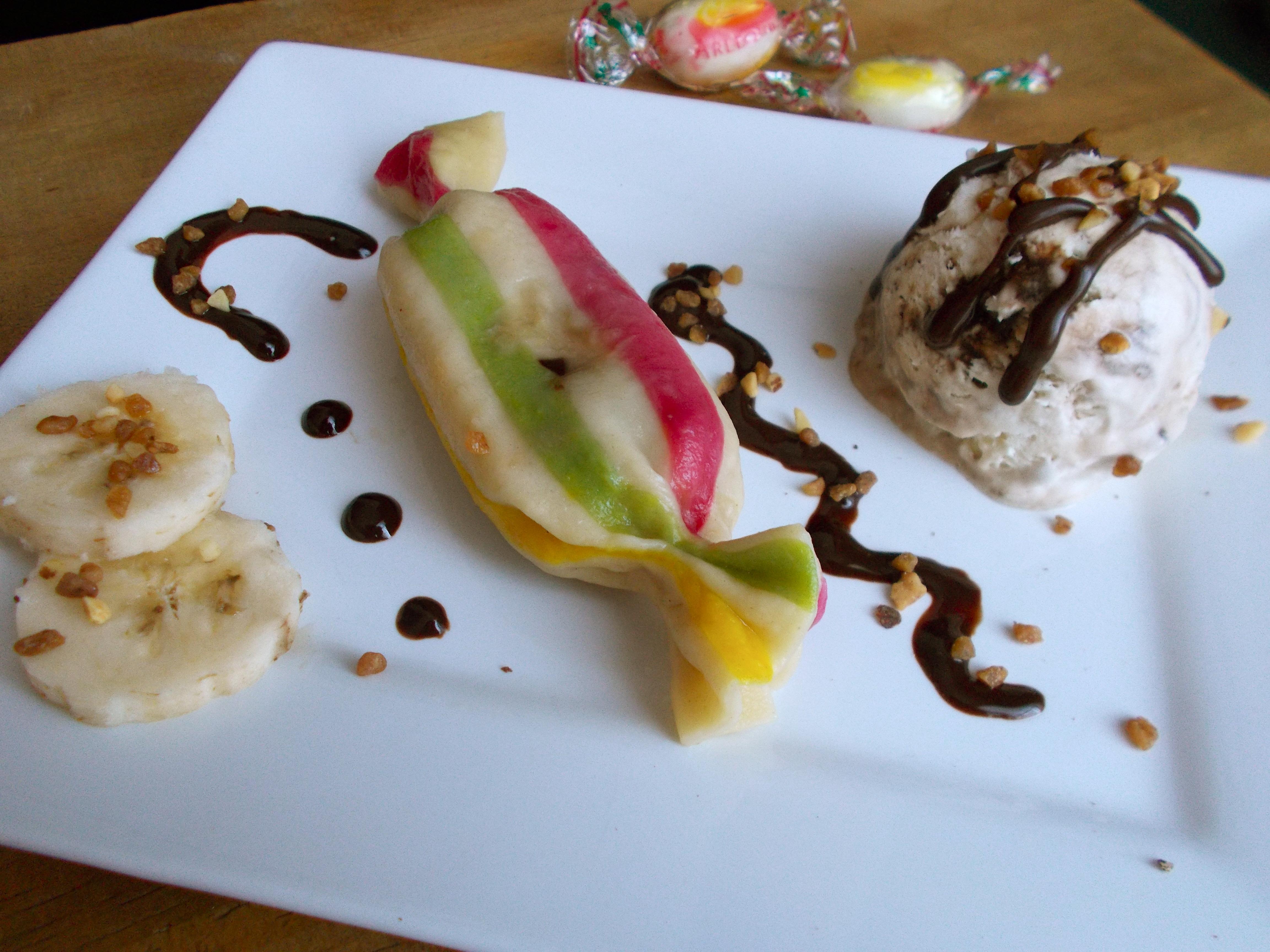 Raviolis sucrés façon Arlequin : fourrés à la banane, caramel et pépites de chocolat