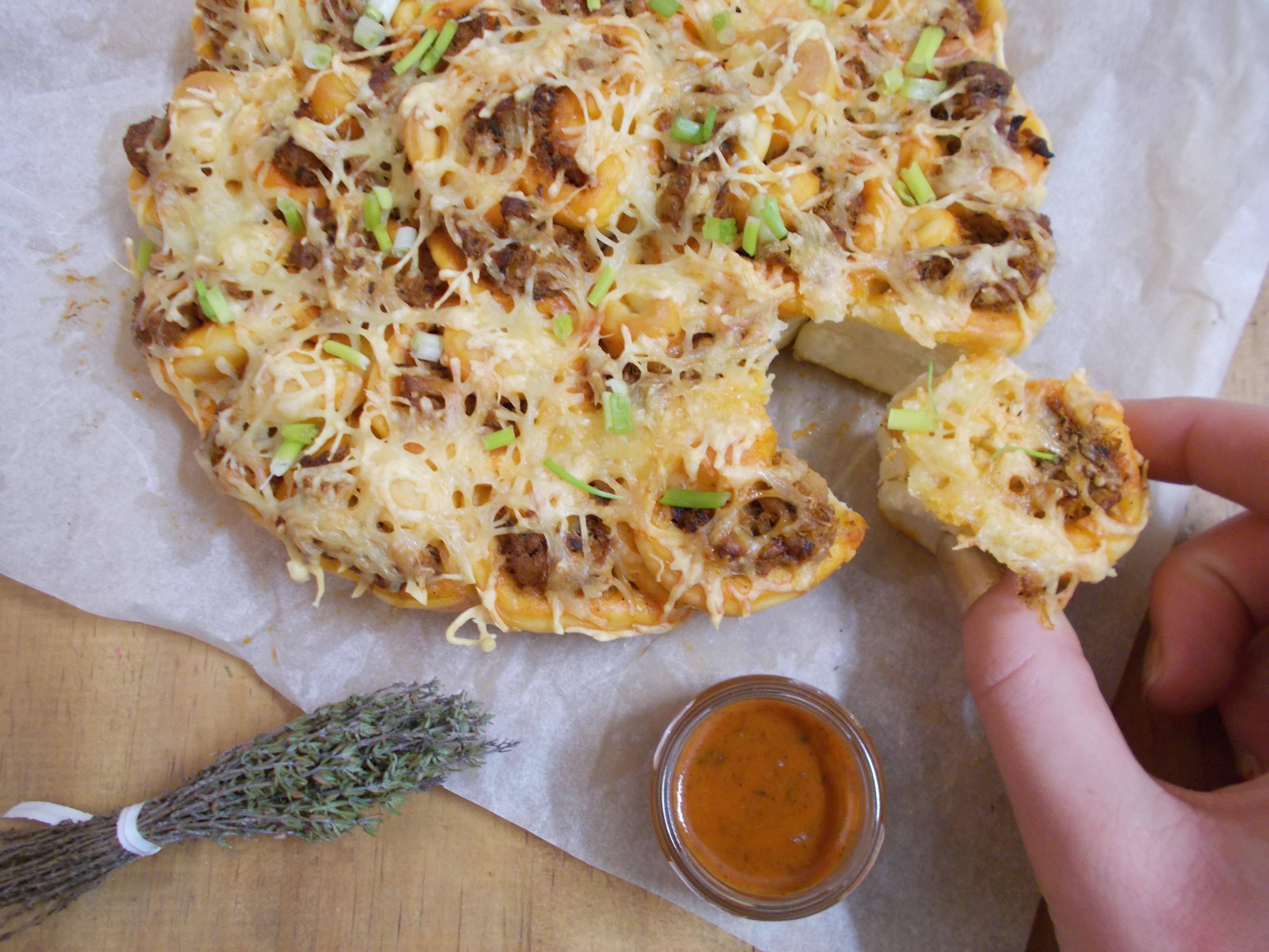 Pull appart pizza au thon et saveurs basques