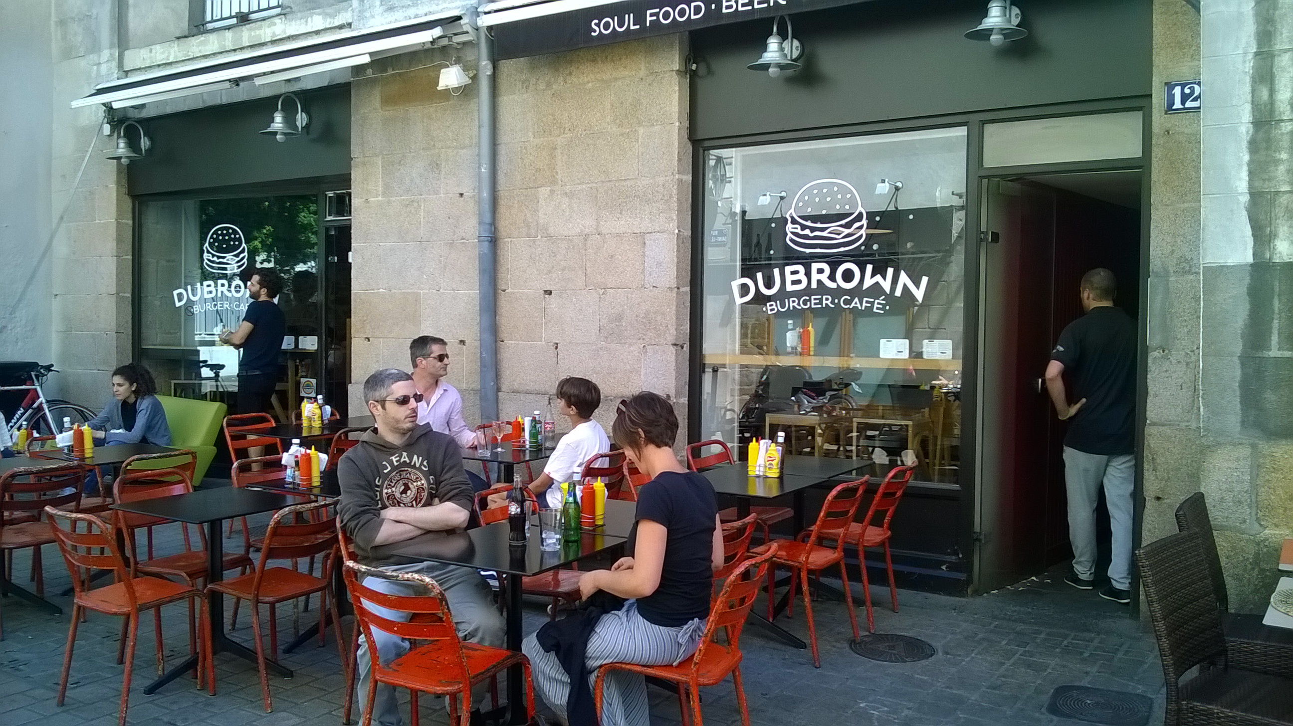 Dubrown : les burgers insolites de Nantes
