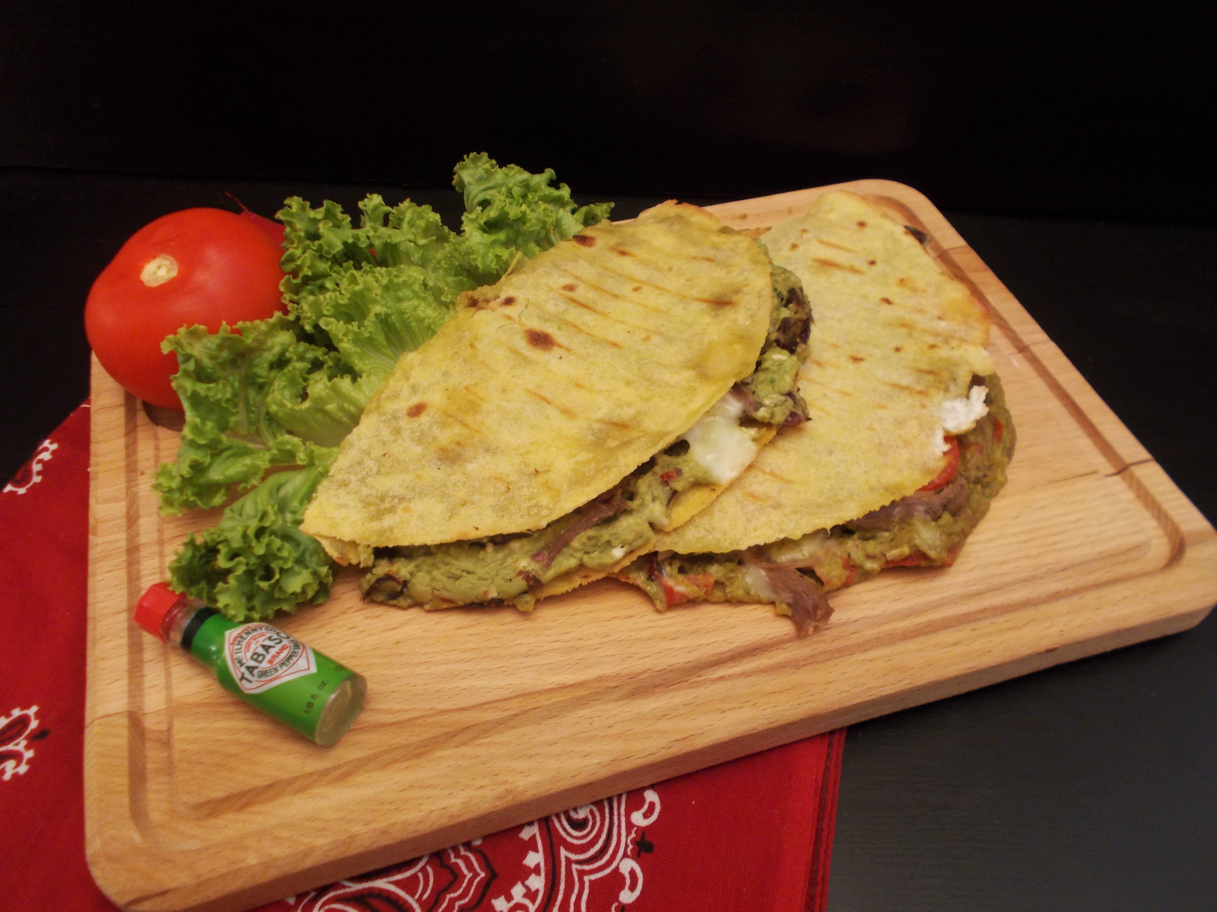 Quesadillas guacamole au roquefort et confit de canard