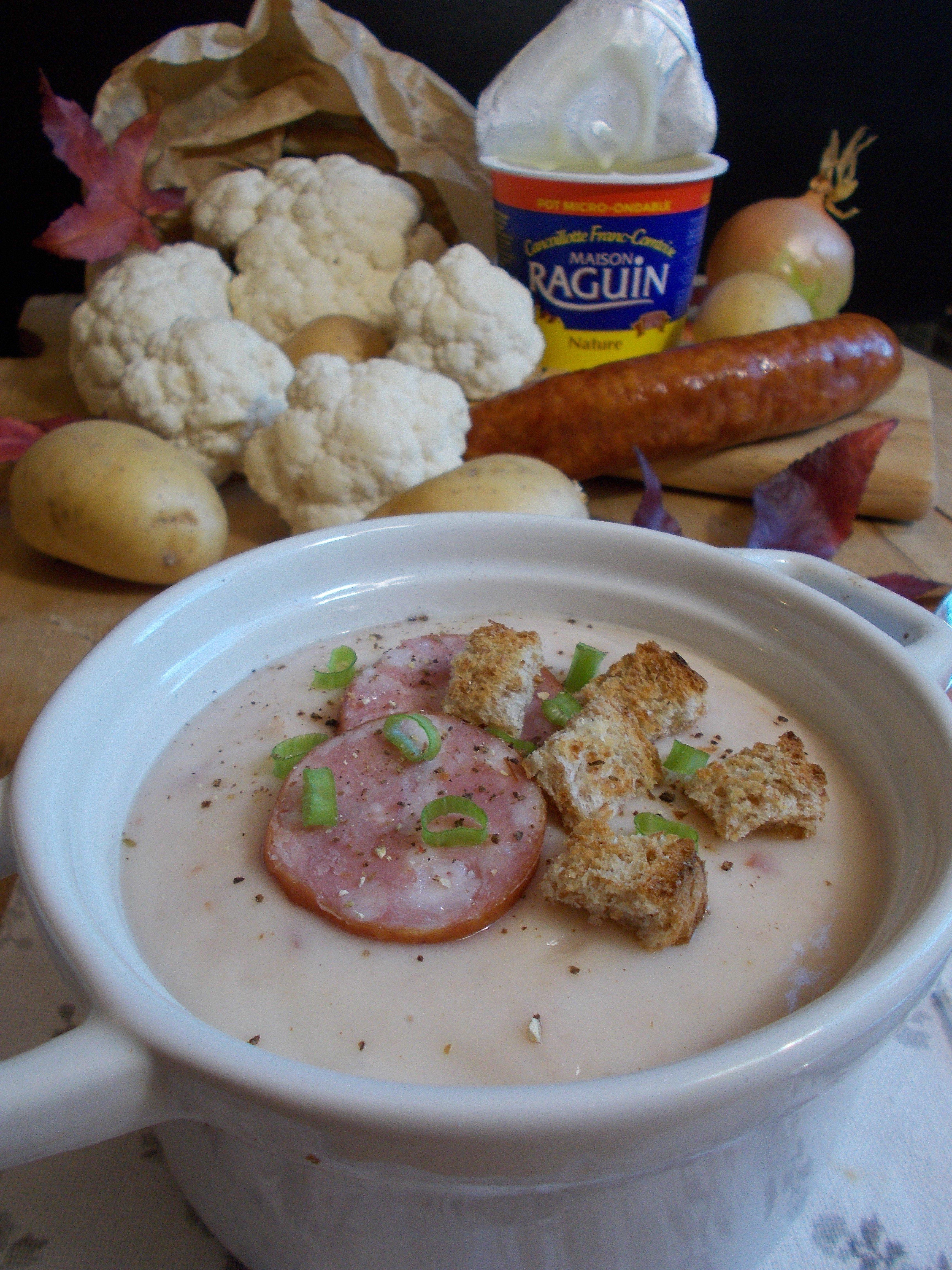 Velouté de chou fleur au panais, cancoillotte et saucisse de montbéliard