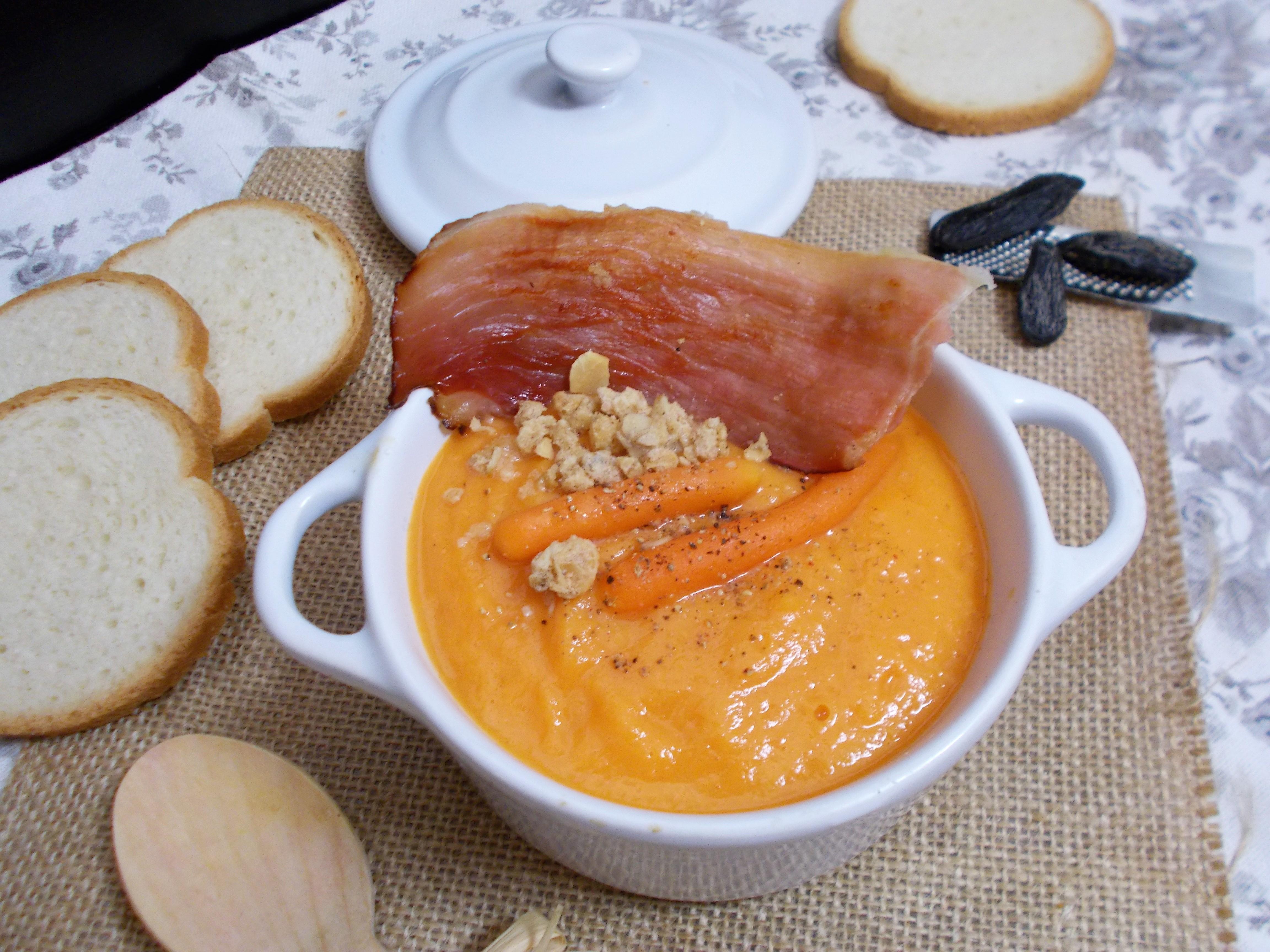 Velouté de carottes à l'épeautre et fève tonka