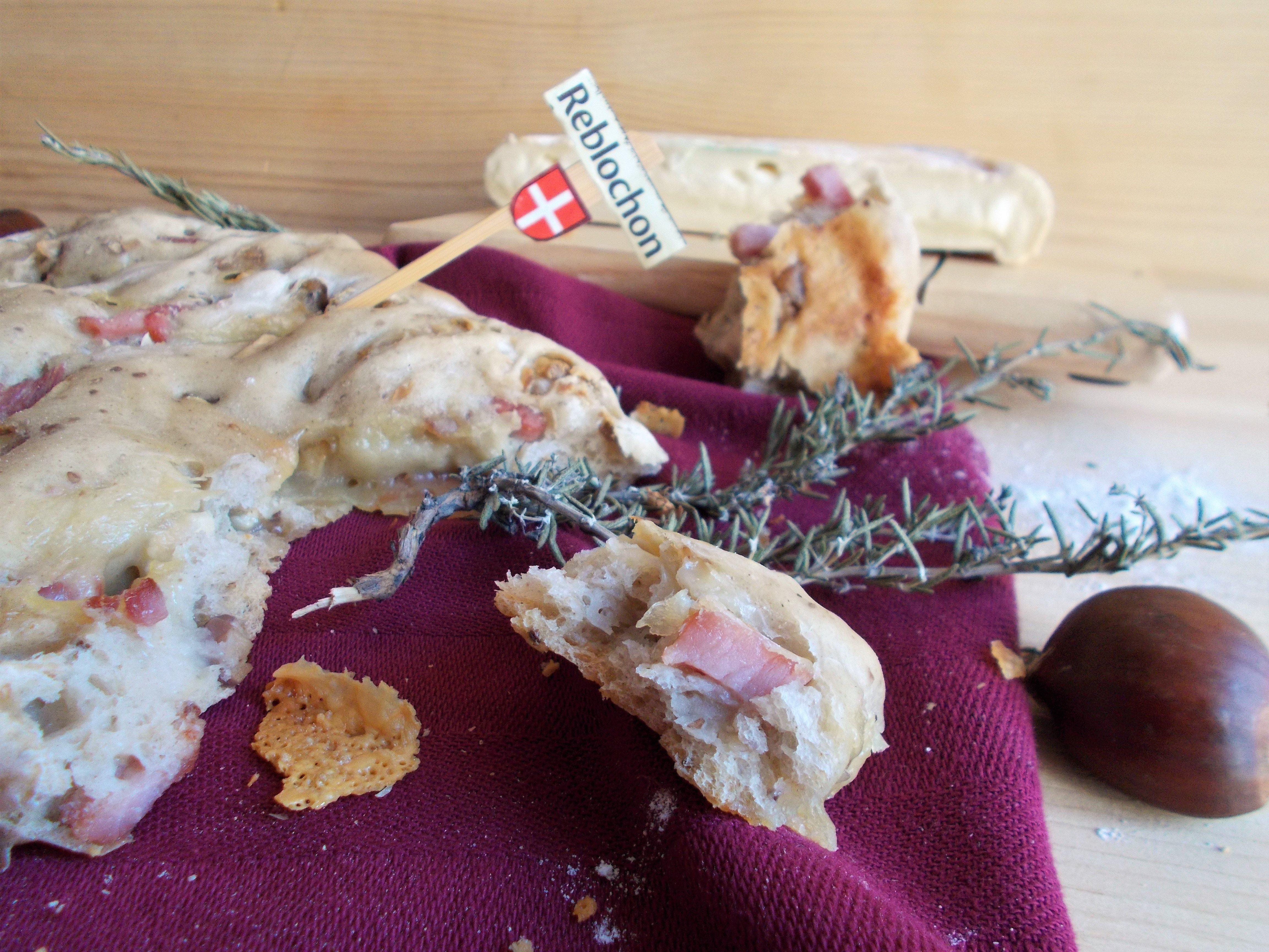 Fougasse au seigle : Reblochon, châtaigne et lardons