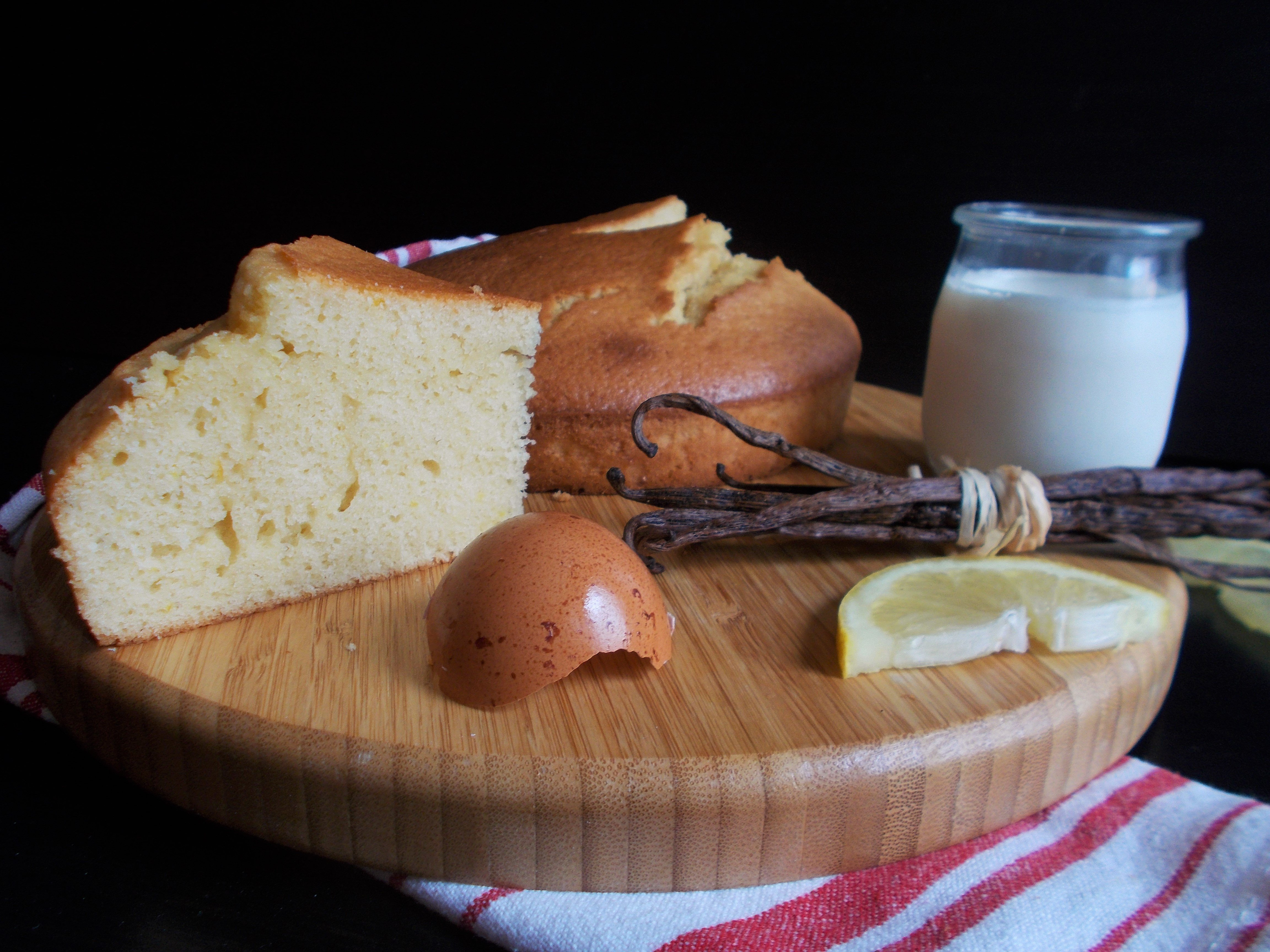 Gâteau au yaourt saveur frangipane