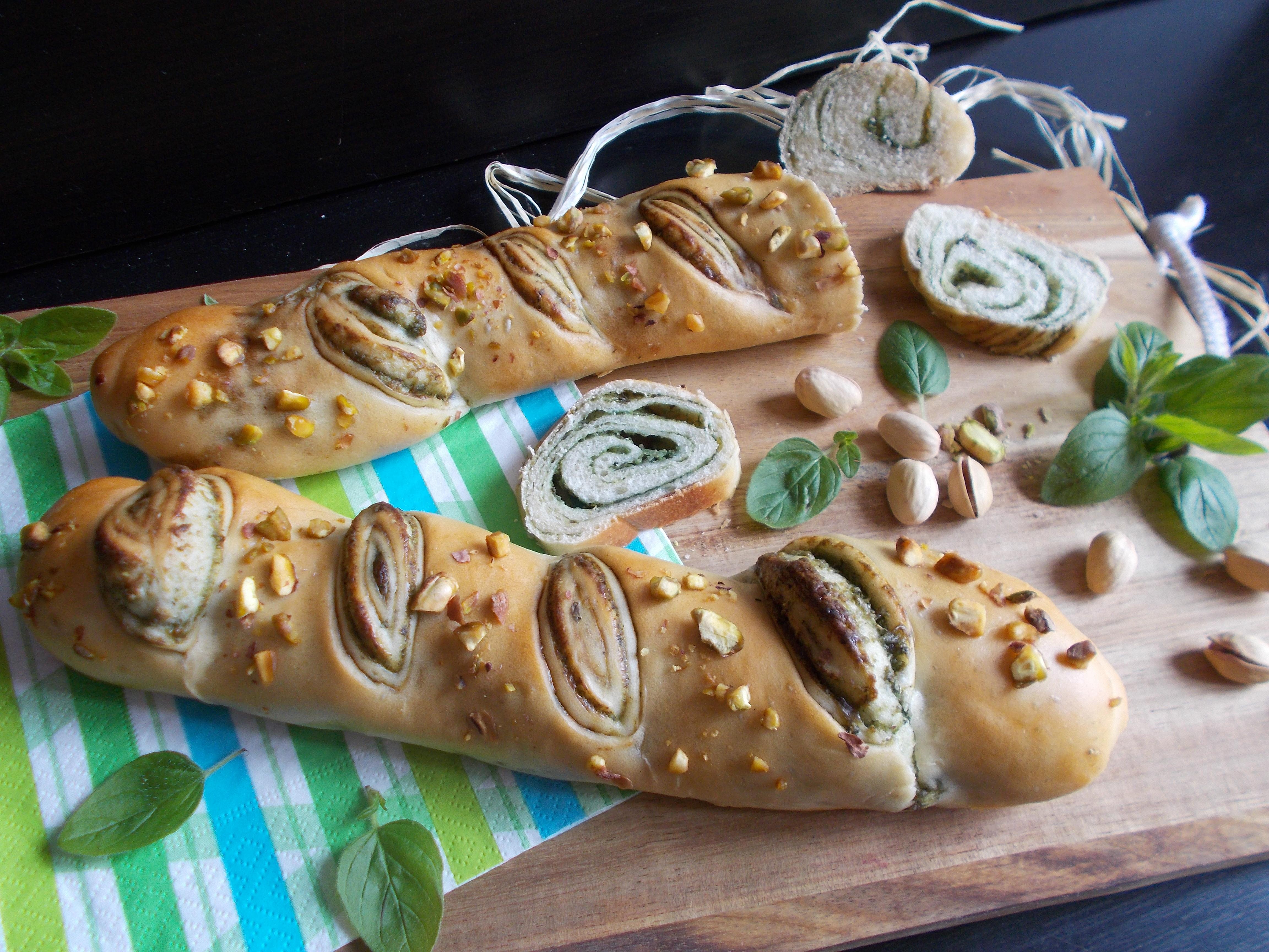 Baguette tourbillon au basilic et gorgonzola