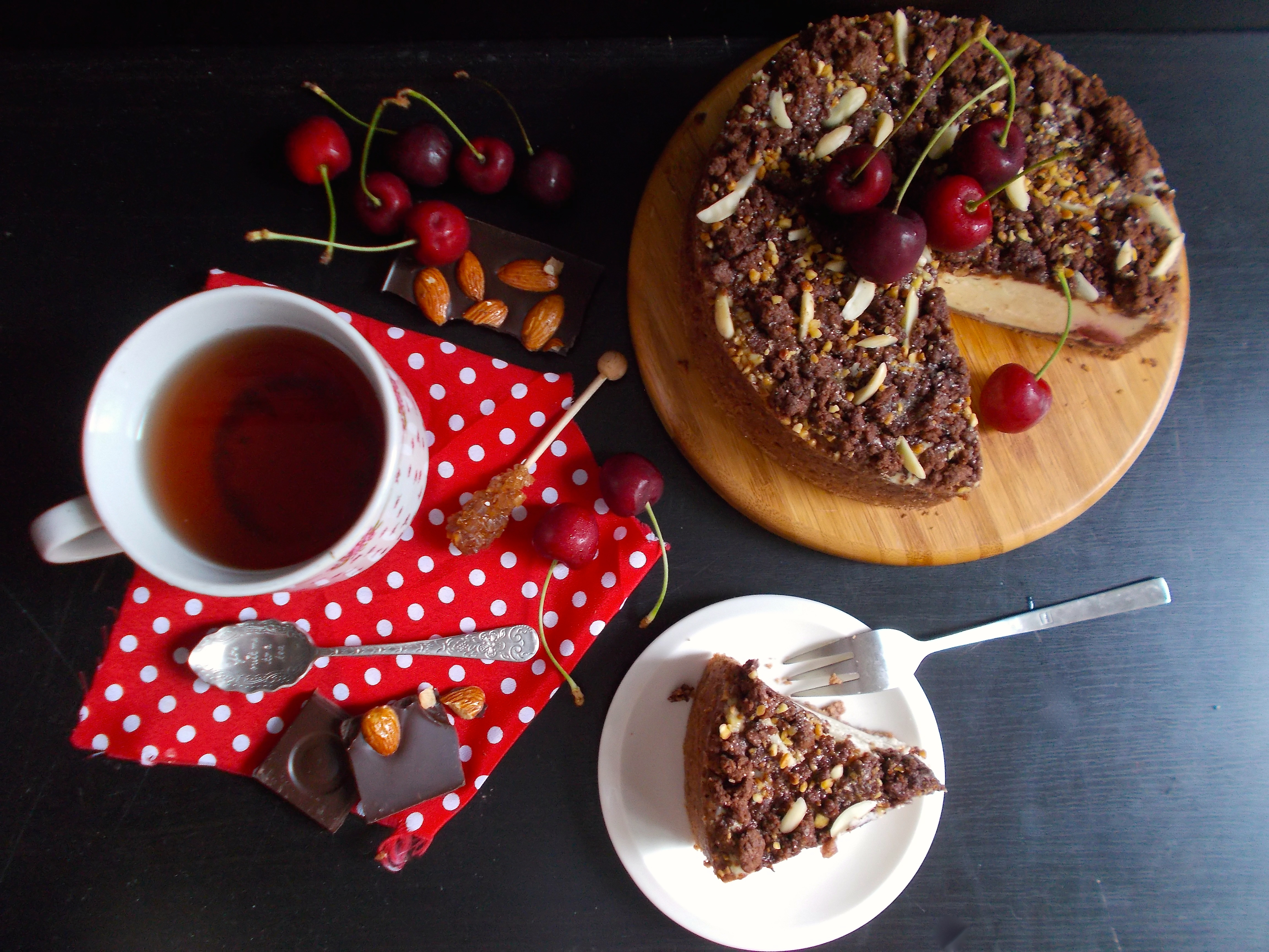 Käsekuchen façon forêt noire (cheesecake allemand) - Toque ...