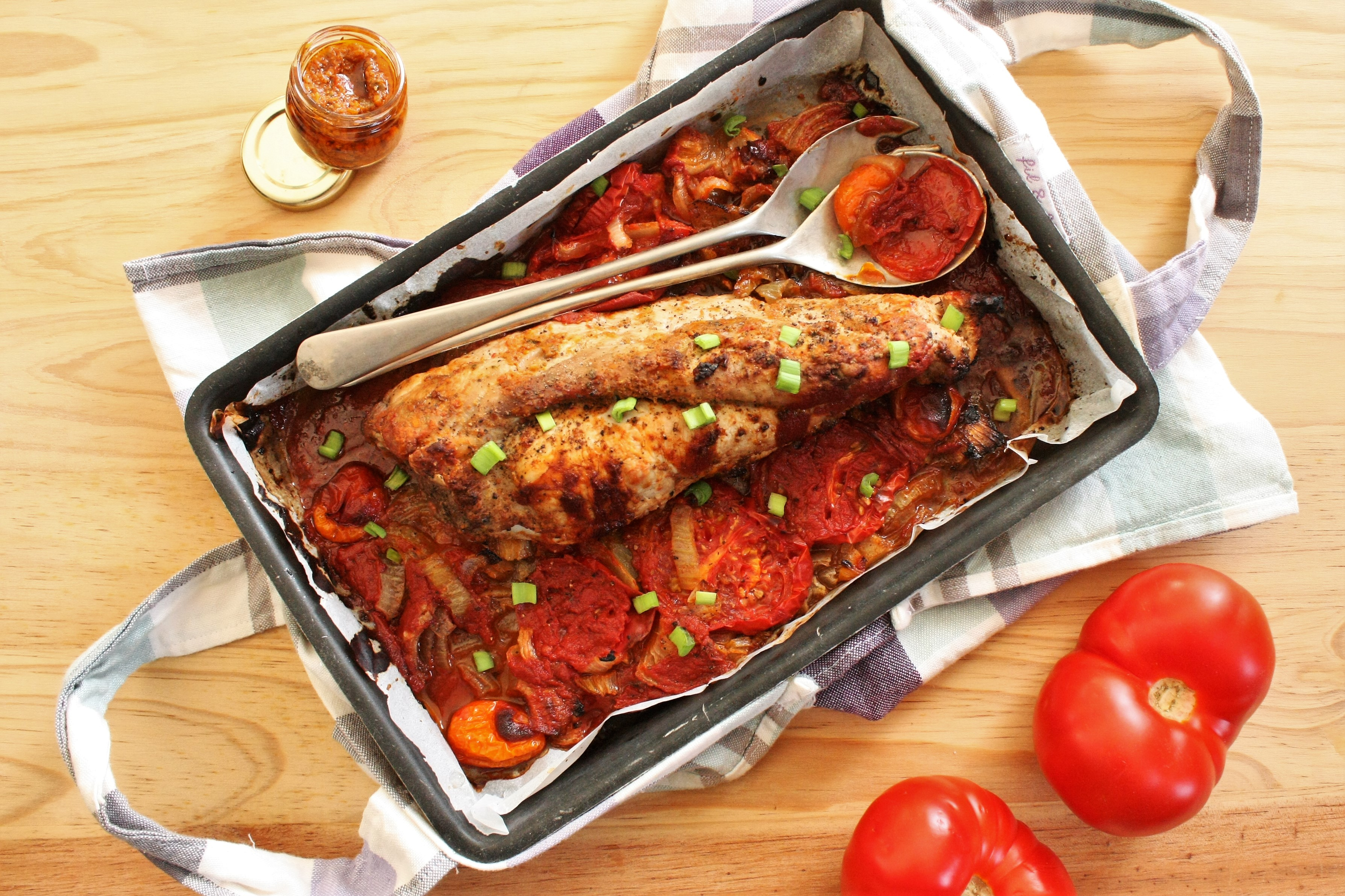 Filet mignon rôti au pesto rosso
