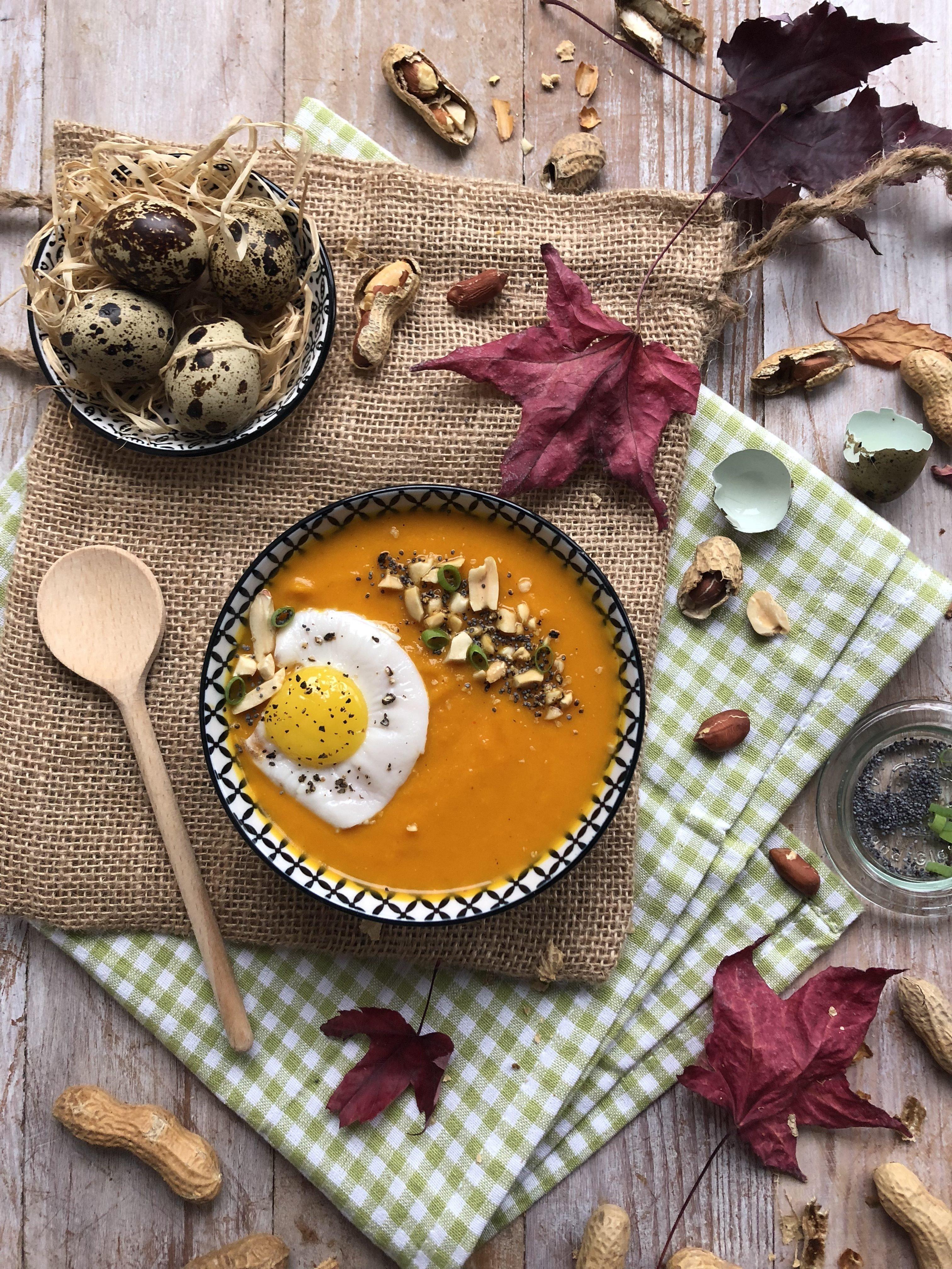 Velouté de potimarron, carotte et cacahuète