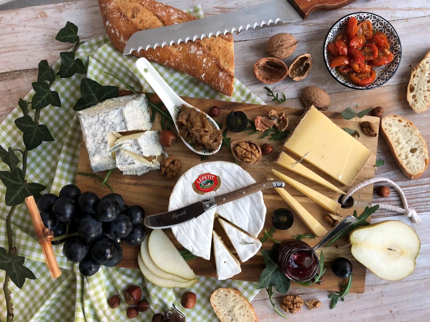 Plateau de fromages #1 : Camembert, Comté et Valençay