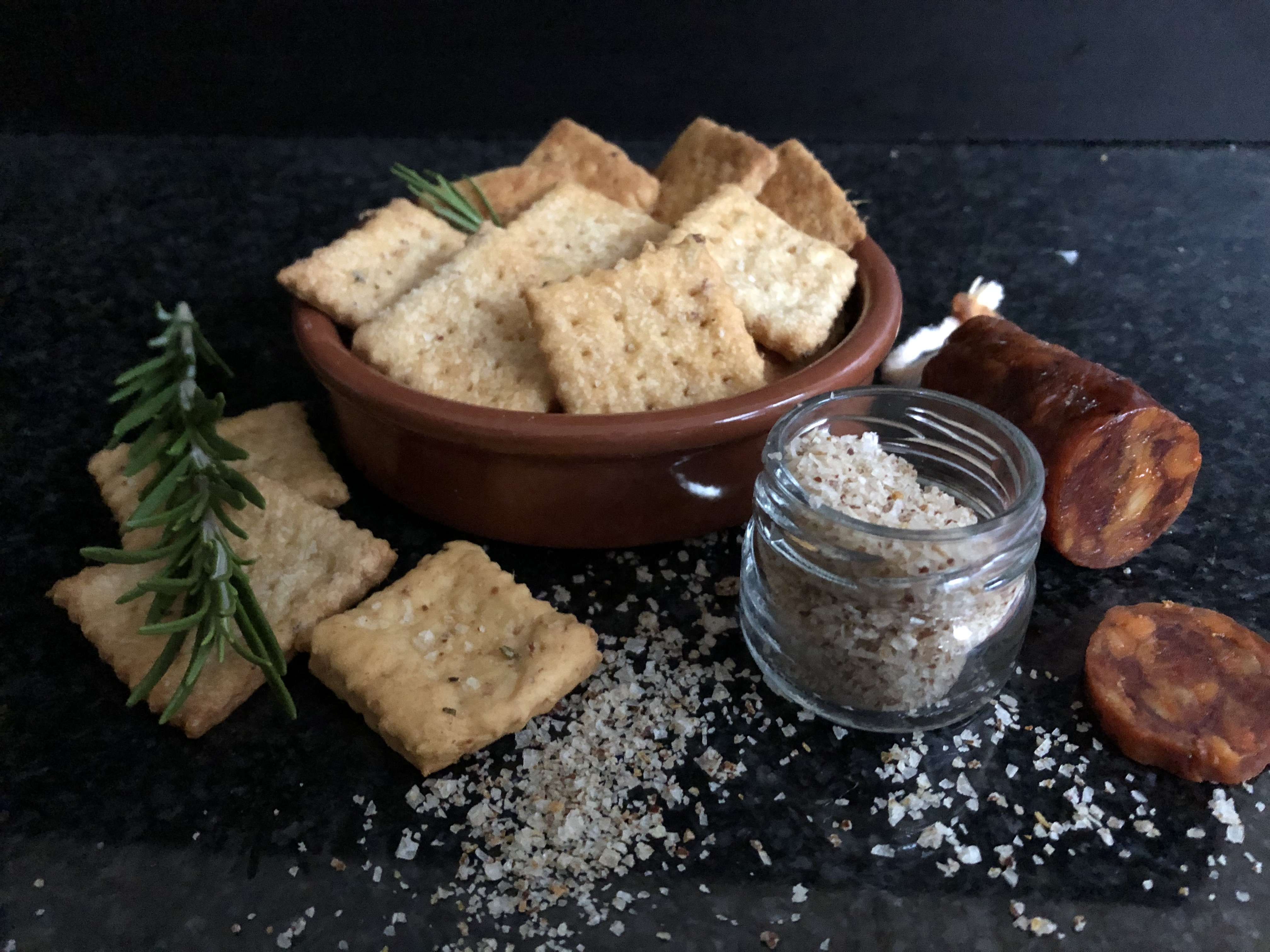 Crackers au chorizo et romarin