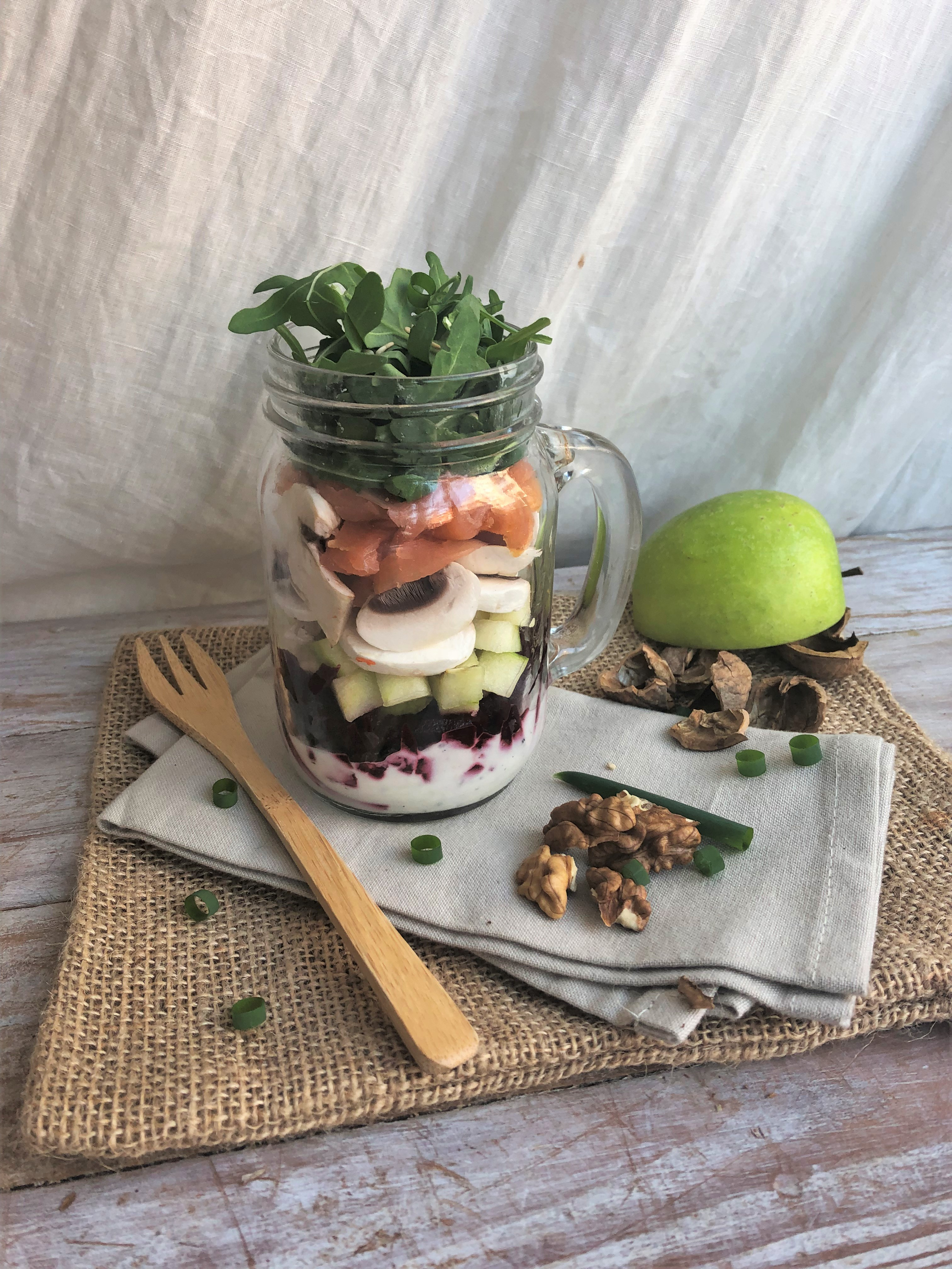 Salad Jar : saumon fumé, betterave et pomme