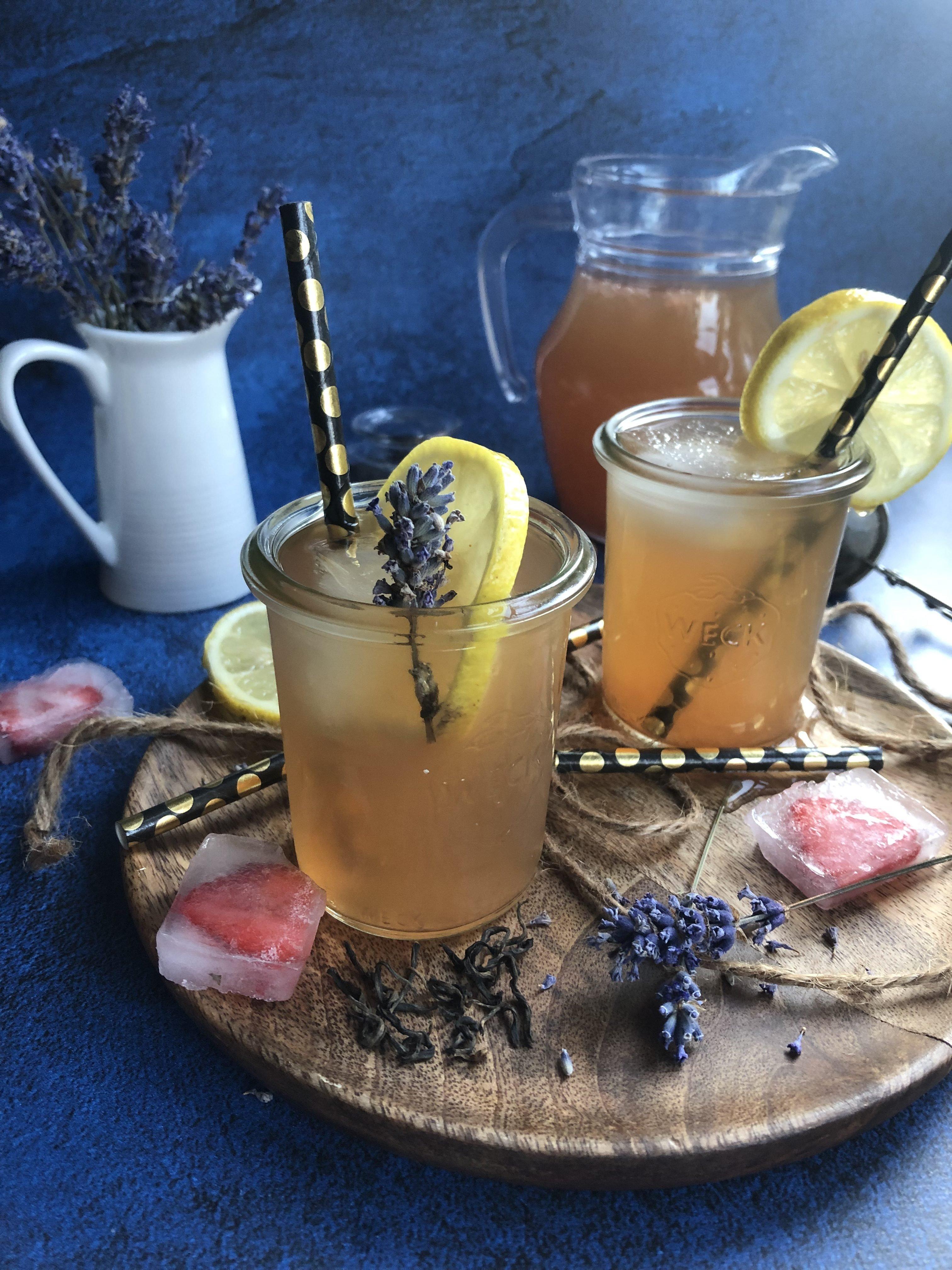 Thé glacé citron, lavande et pamplemousse