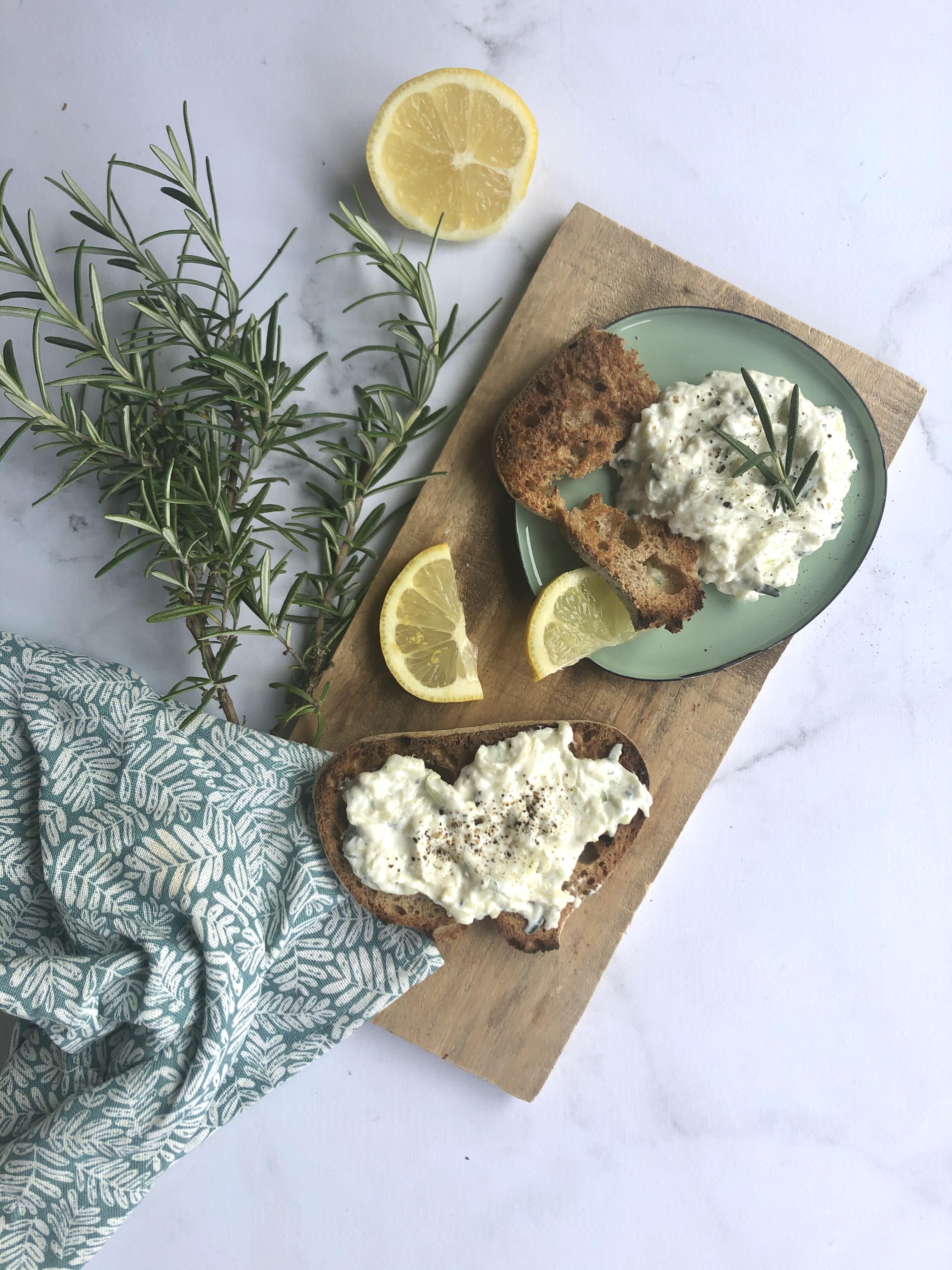 Tzatziki de courgette (romarin & citron)